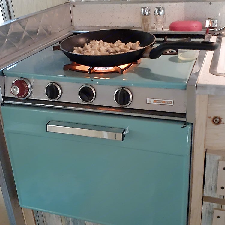 The stove and oven are fully functional.