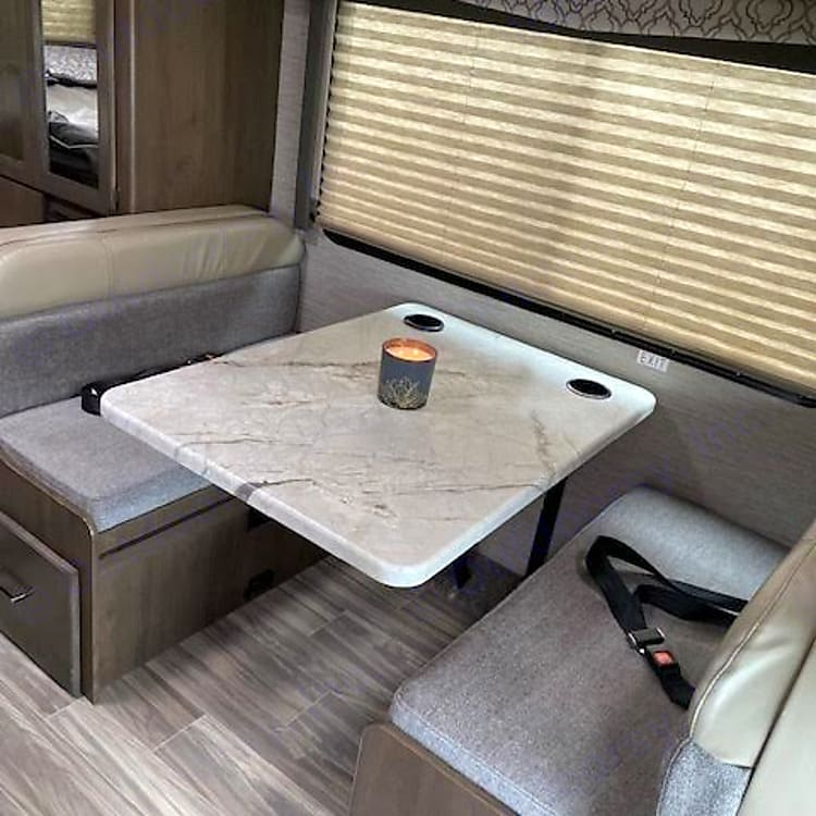 Dinette that can seat 4 people