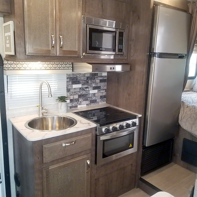 Stove and oven with a huge fridge!