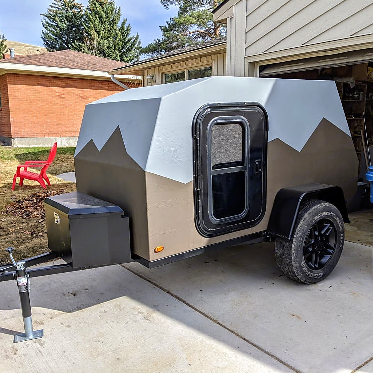 Camper contains 2 side doors