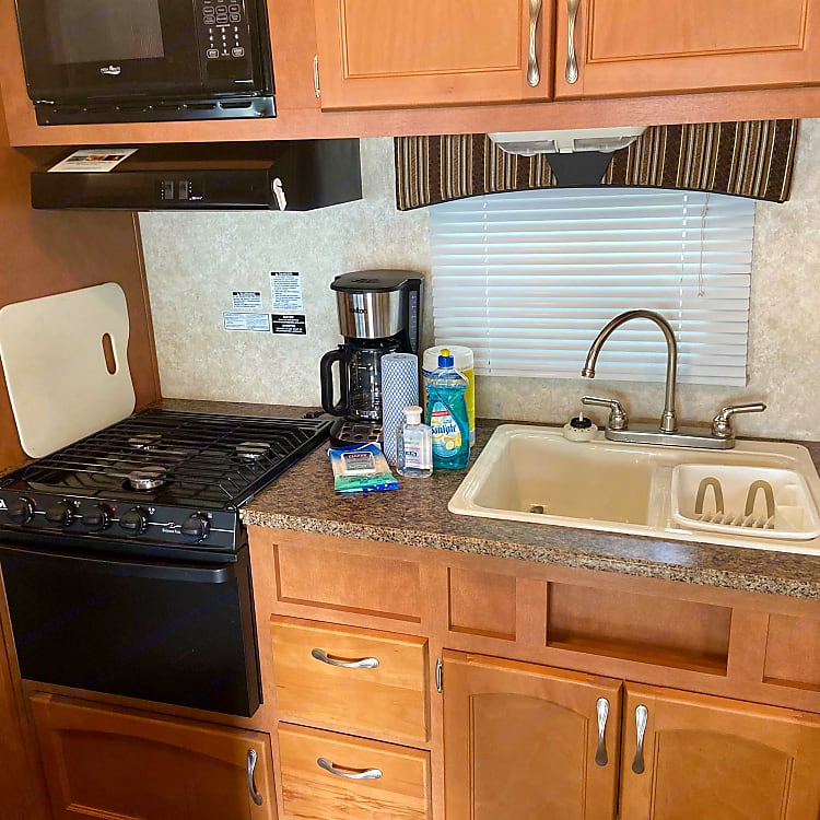 All the amenities of your home kitchen! includes coffee maker, toaster, pots, pans, cooking utensils and plates.  All renters receive complimentary paper towels, napkins, Lysol and Clorox wipes as well as hand sanitizer and J-cloths.
