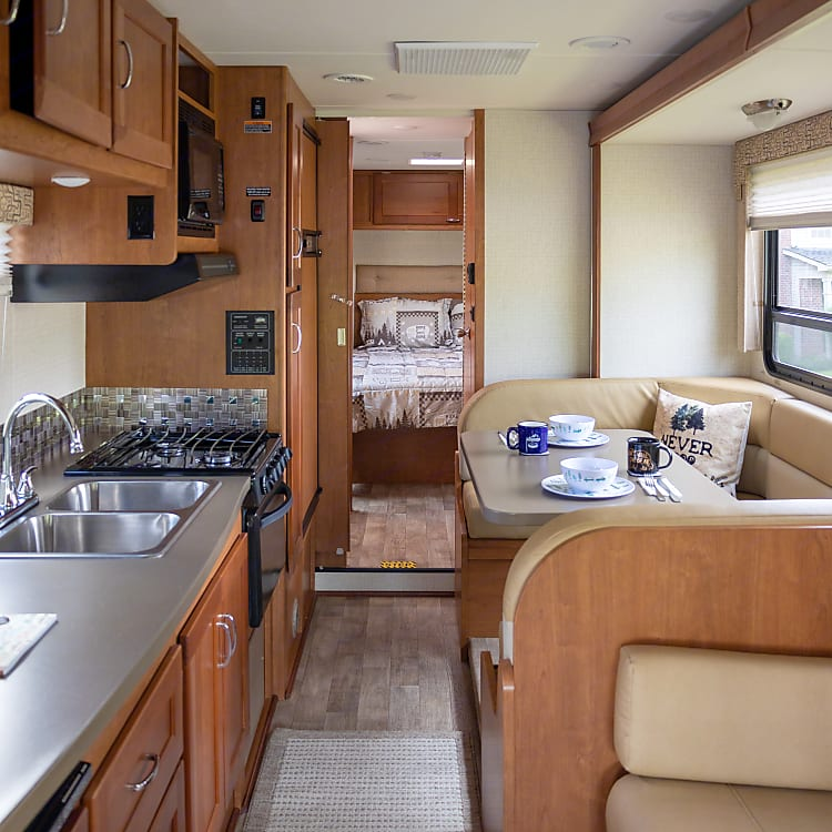plenty of room to cook.  Oven, stove top, microwave.