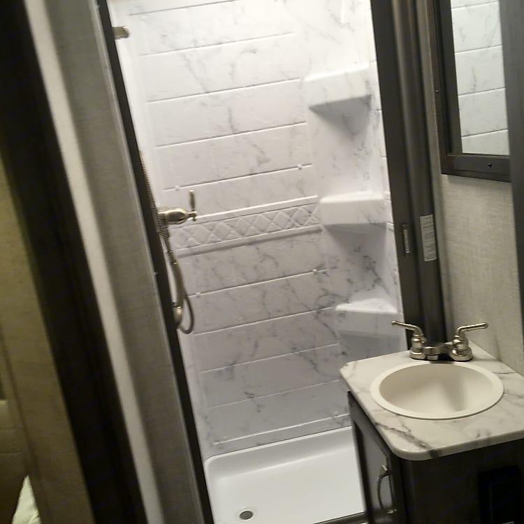 Good bathroom size