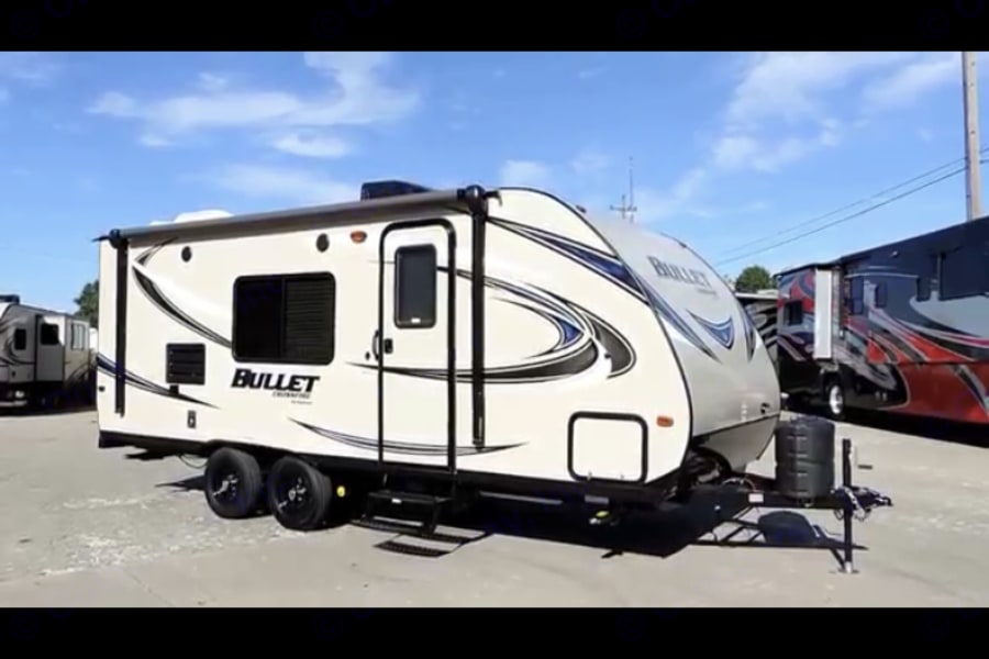 2016 keystone bullet crossfire Excellent condition. ready for rent