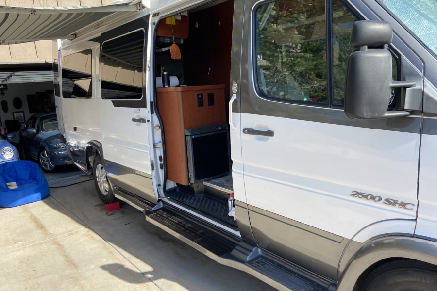easy slide door & wheel chair accessible