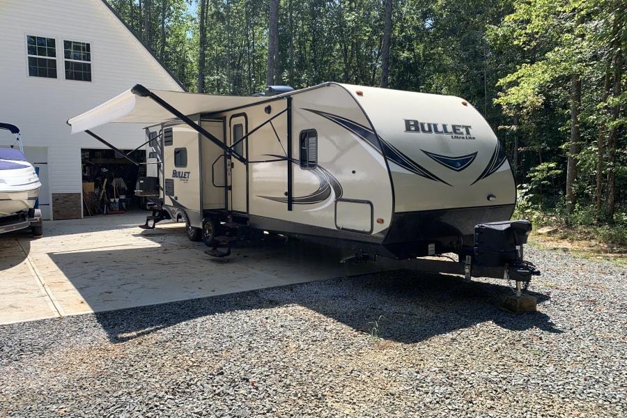 2018 Keystone Bullet 330 BHS