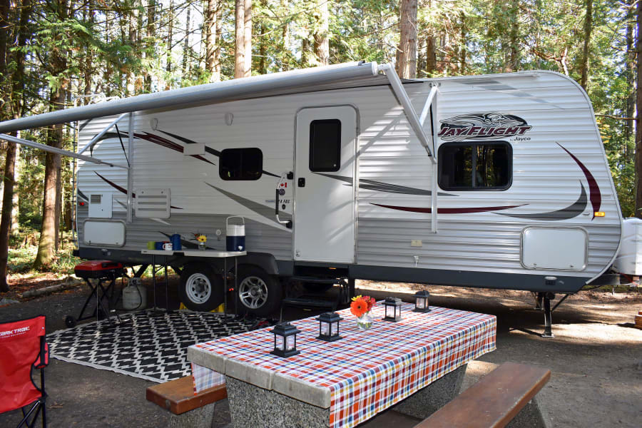 24' Jayco Jayflight with all the bells and whistles