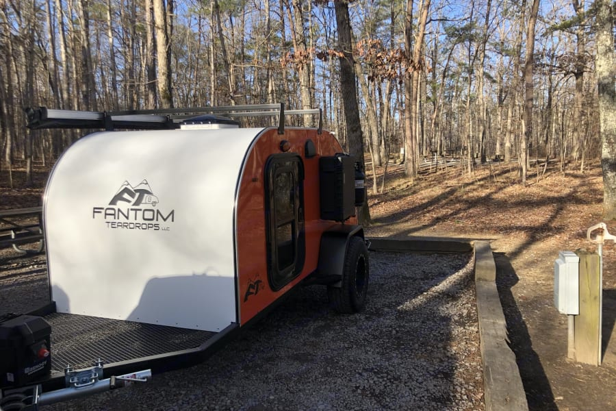 The front tongue of the trailer has space for extra storage while in camp, which helps keep your gear or firewood off the damp ground