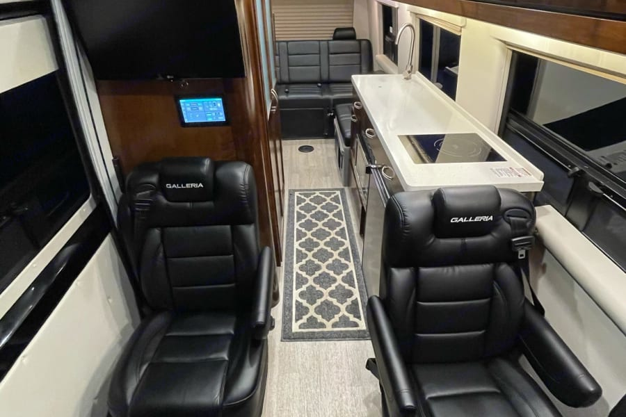 Rear captains chairs