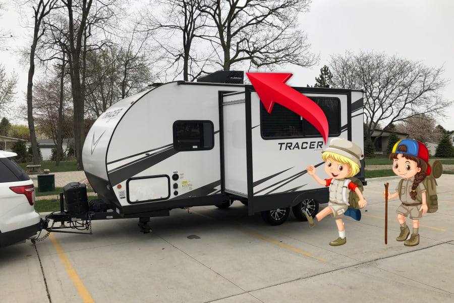 """Total Height of the trailer is 11 feet 6 inches. 11' 6"""" Please Always Check Surroundings; Also Check to see if Anything is in the way of the Slider."""
