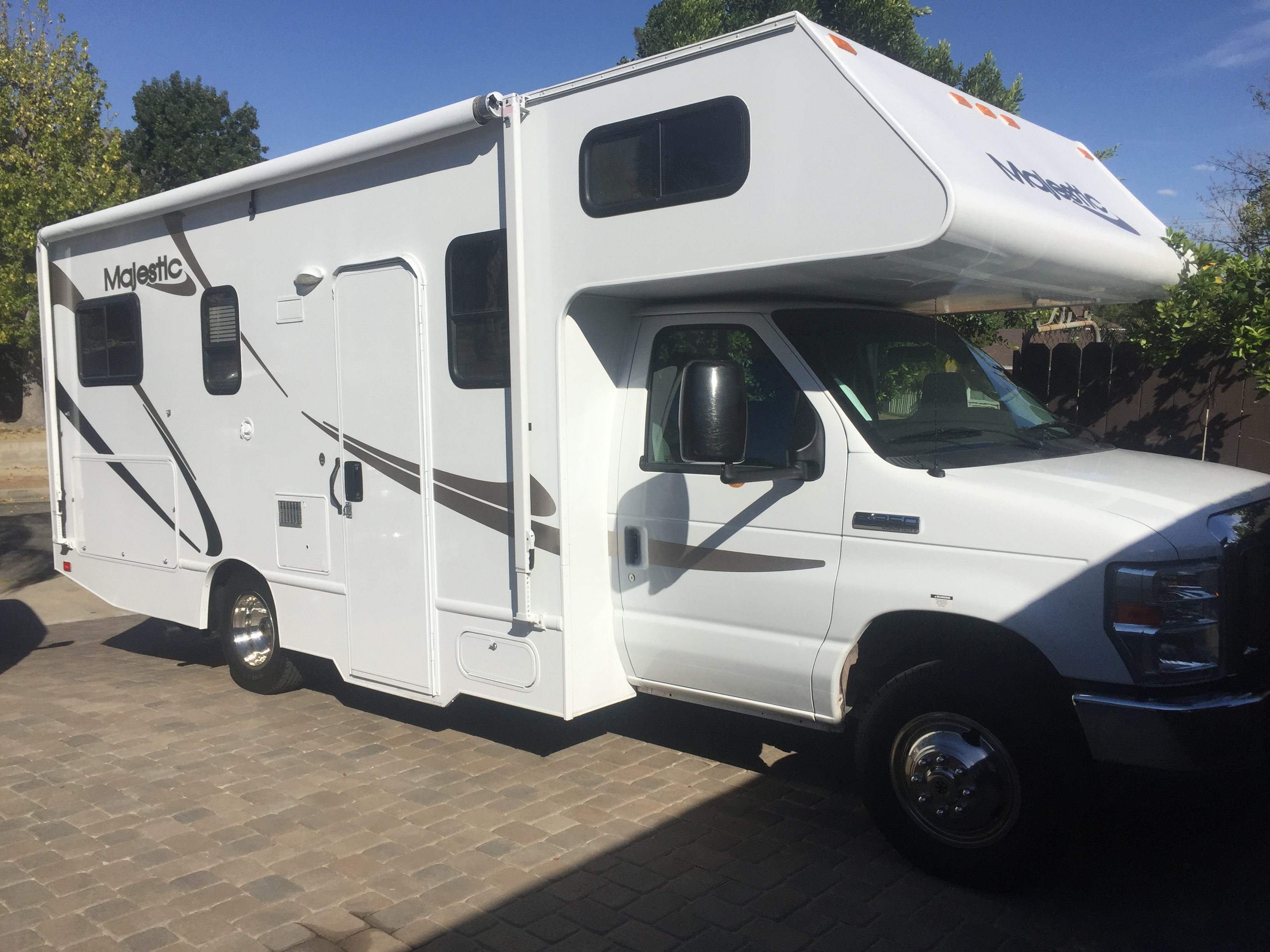 Ford Majestic 23a 2012