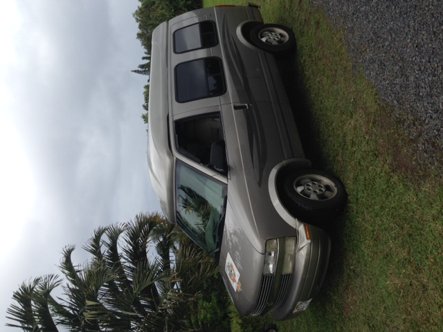 Paia Simple but perfect for travel and camp . Chevrolet Astro Van 2003
