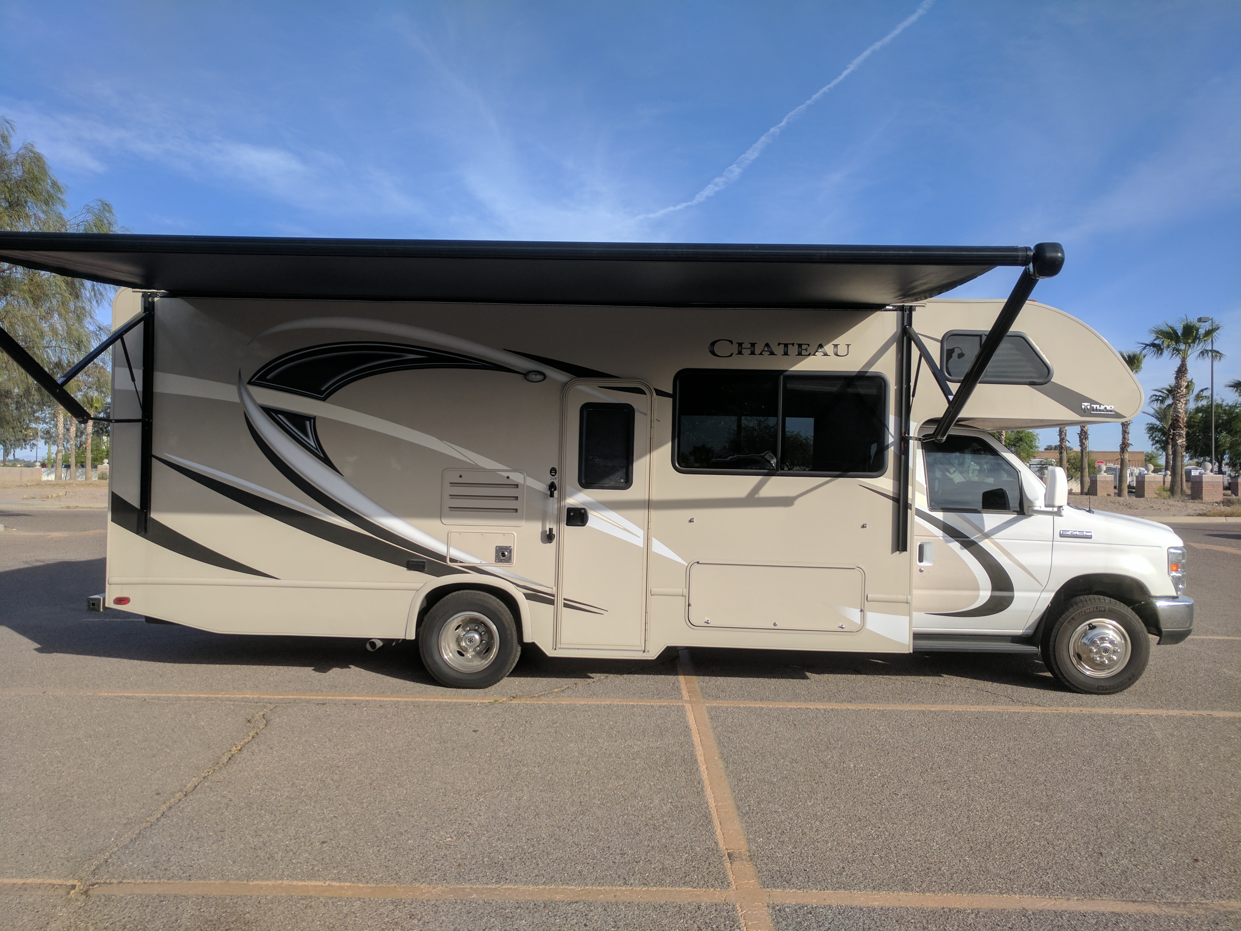 2017 thor motor coach chateau motor home class c rental in tucson