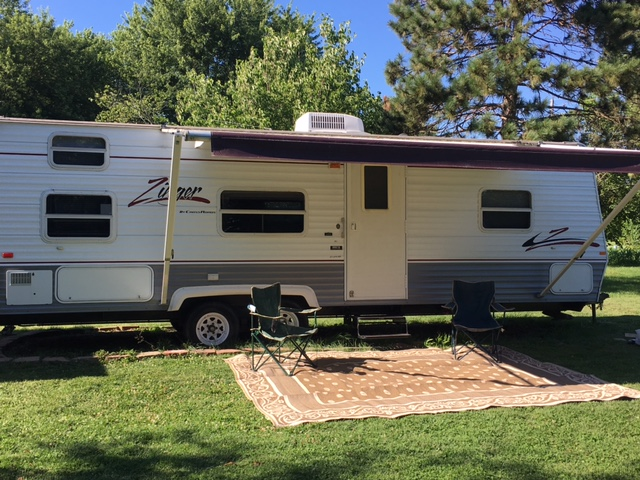 Our home away from home. Comes with everything you need! We have it prepped so that we simply add groceries and go!. Crossroads Zinger 2006