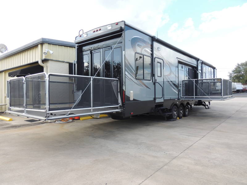 2015 Heartland Cyclone Fifth Wheel Rental in Orlando, Florida ...