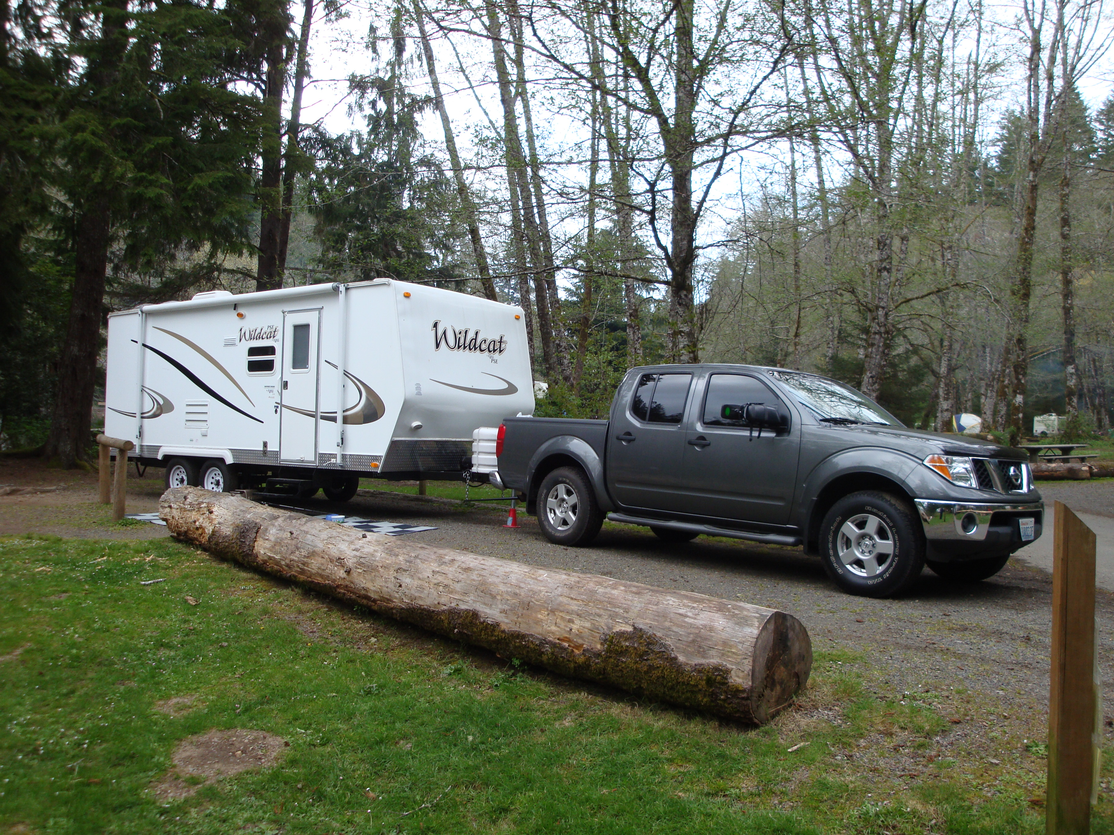This light weight camper can be pulled by a mid-size V6 truck.. Forest River Wildcat 2008