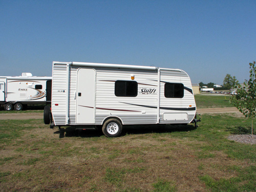 That awning easily rolls out to provide covered outdoor space.. Jayco Jay Flight Swift 2013