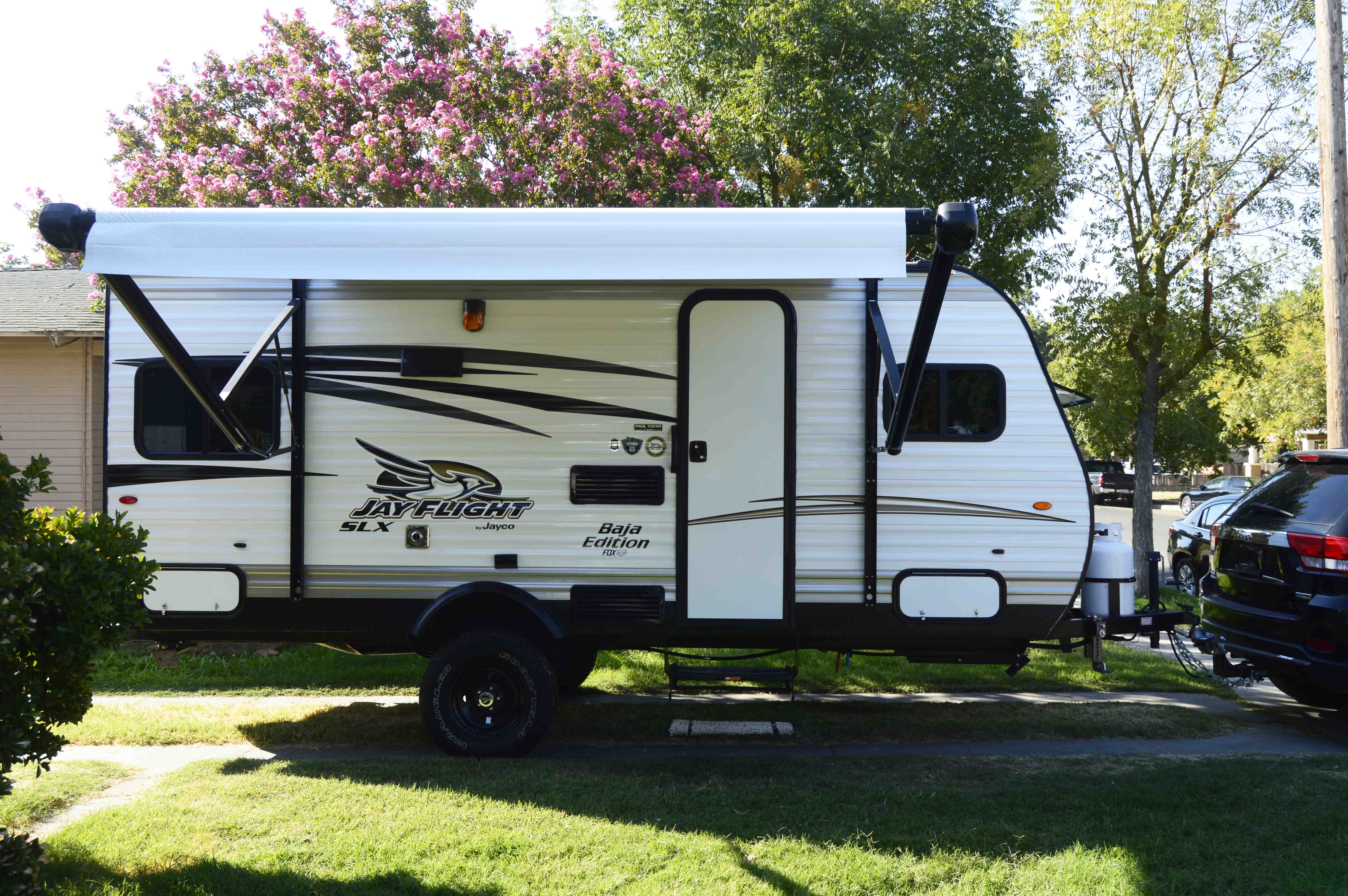 Light weight and easy towing.. Jayco Jay Flight 2017
