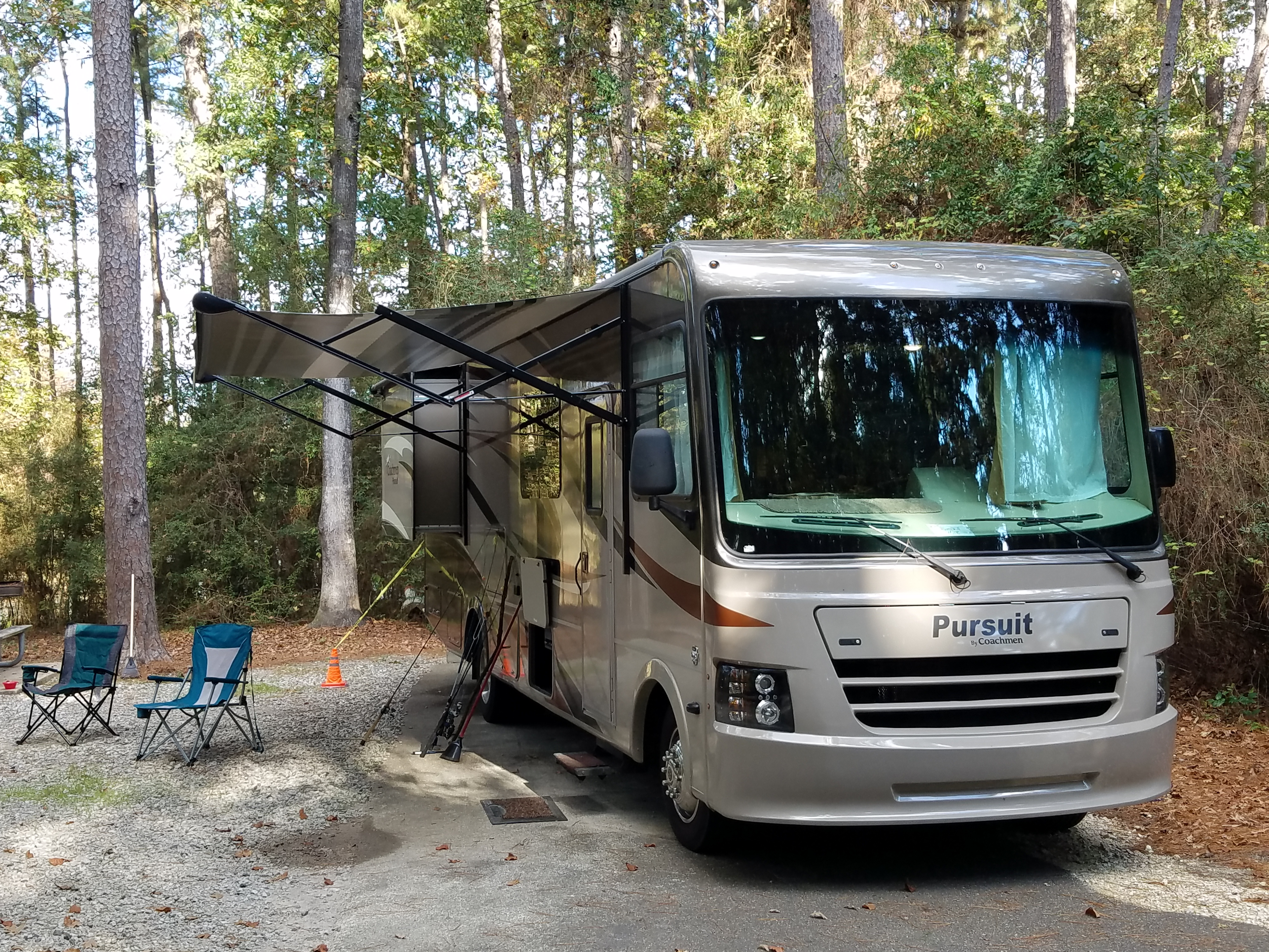 Fun camping with no bugs, air conditioning, and memory foam comfortable king size bed.. Coachmen Pursuit 2017