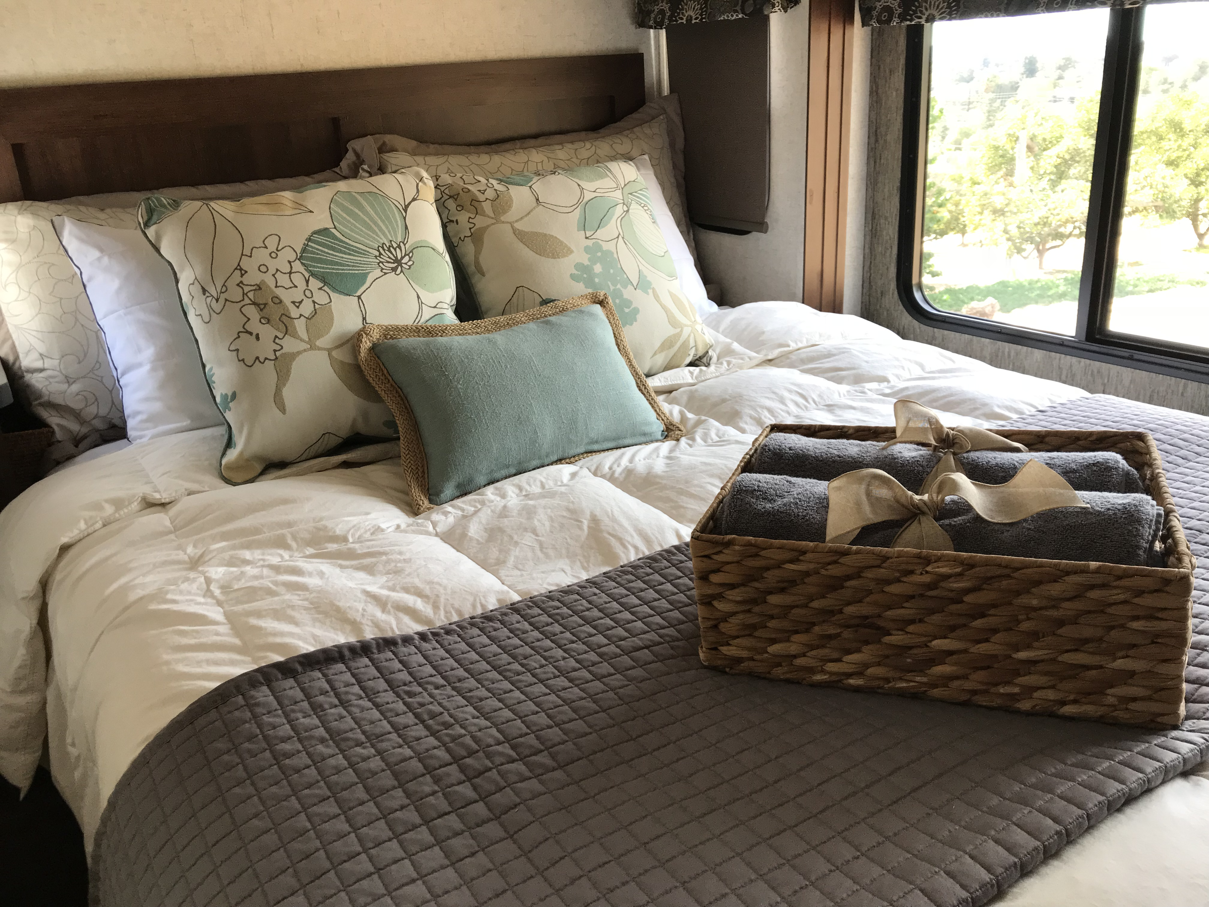 This mattress is a fluffy NEW Serta with new linens, pillows and allergy pillow covers. It is roomy and you will drift off to sleep! See the beautiful light coming in.. Forest River Sunseeker 2018