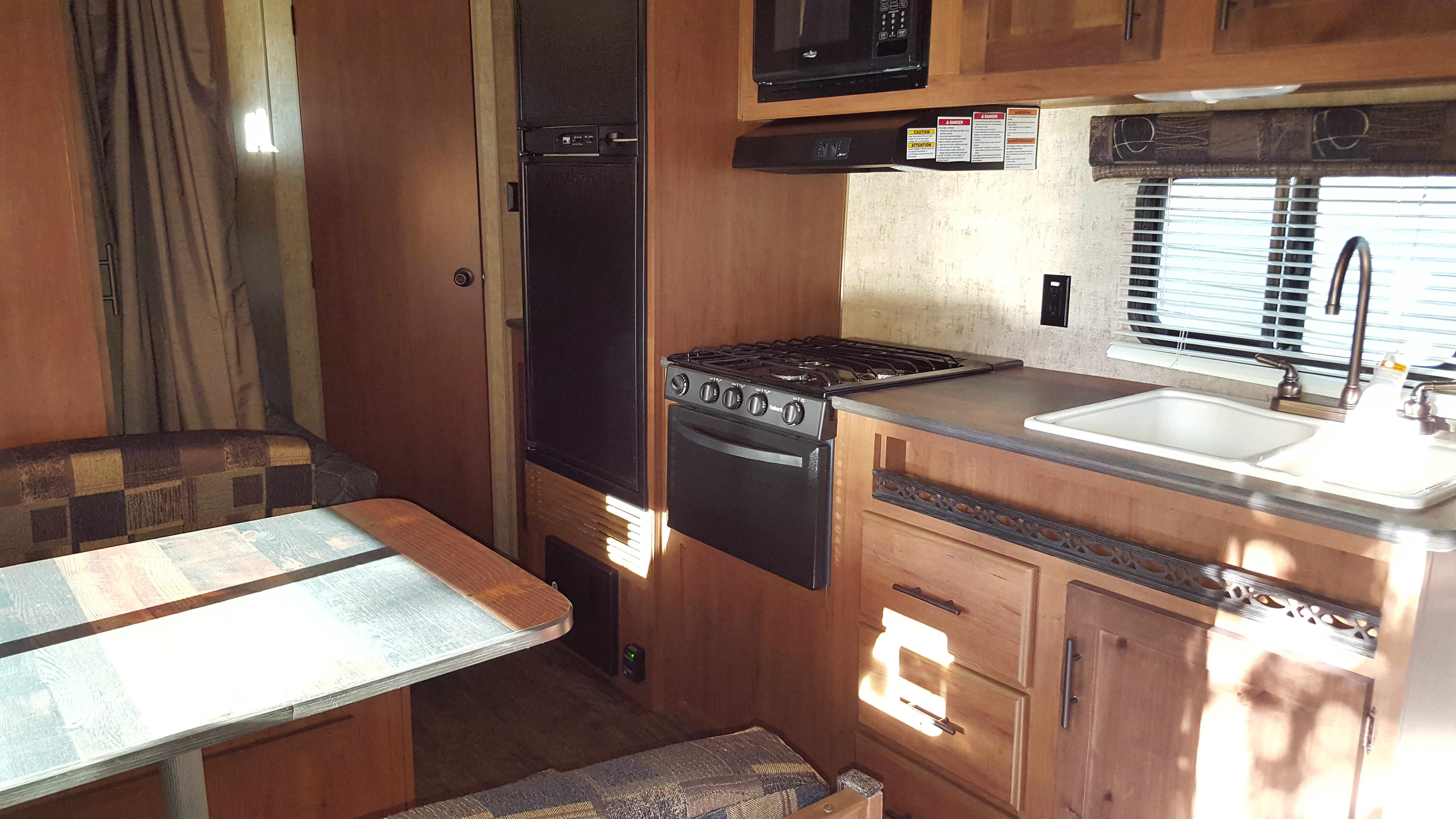 Outdoors Rv Manufacturing Black Rock 2017