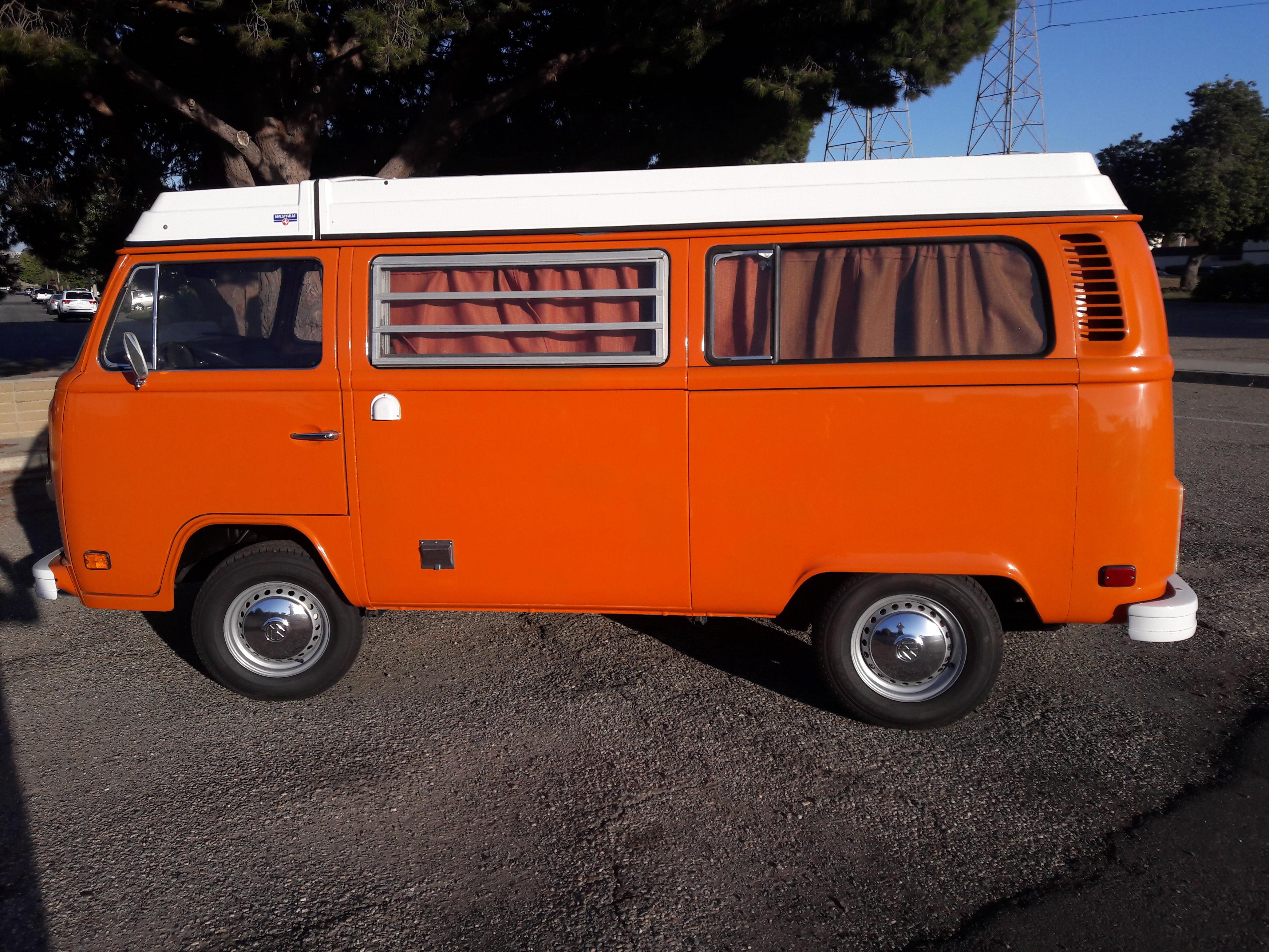 Volkswagon Camper bus 1974