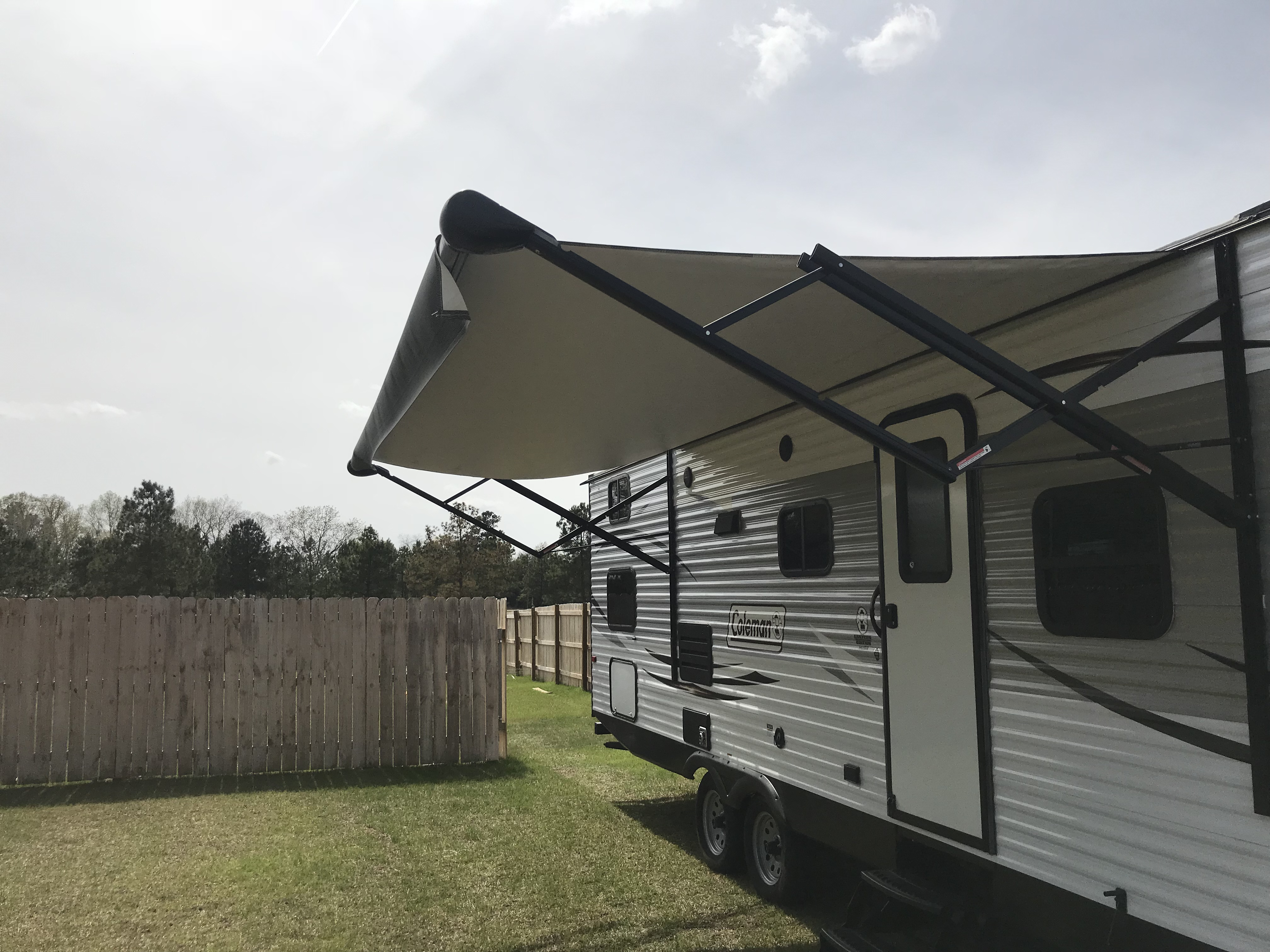Electric slideout awning. Dutchmen Coleman 2017