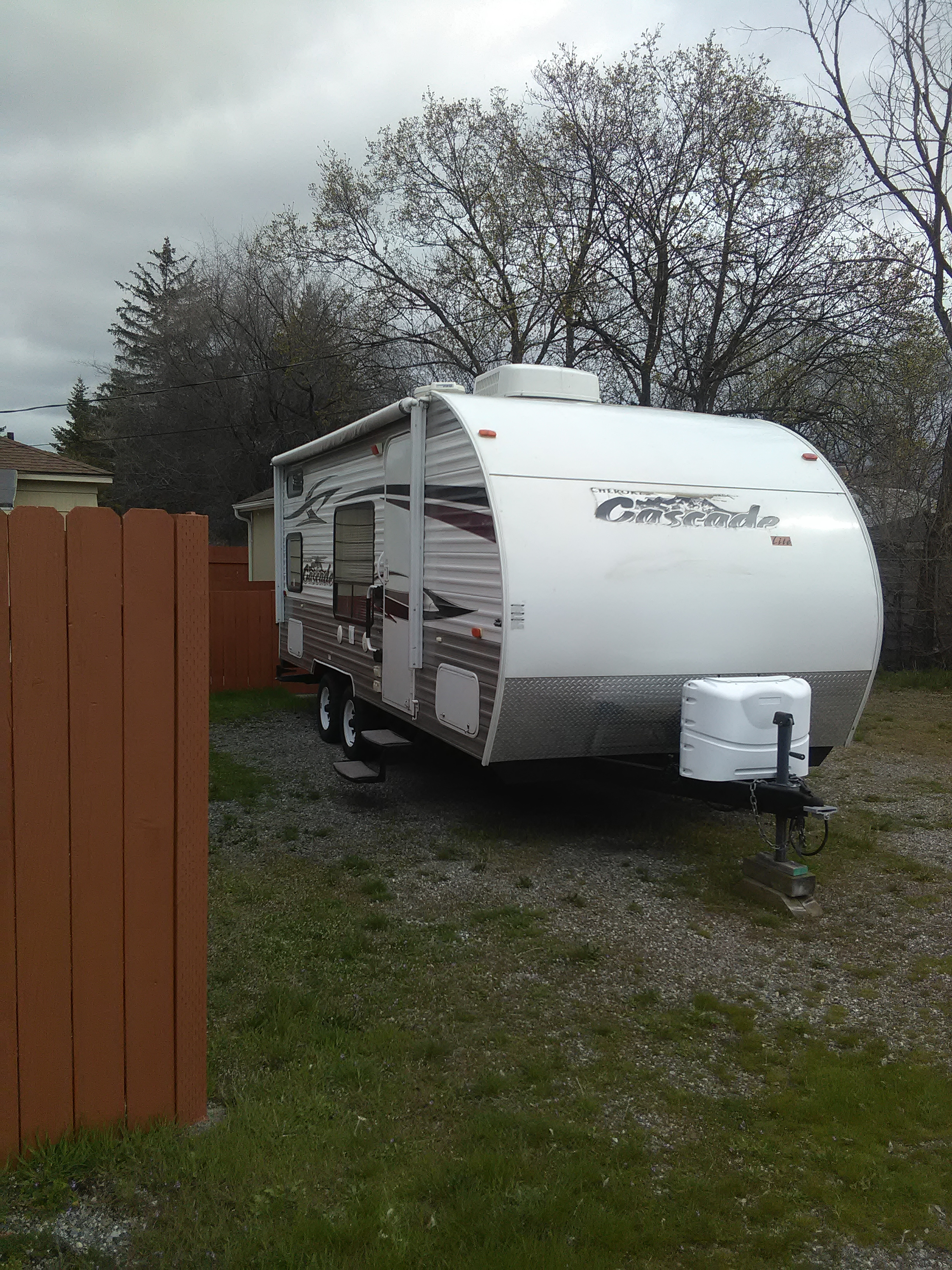 Shows push button awning, easy set up, just push the button!. Forest River Cherokee 2011