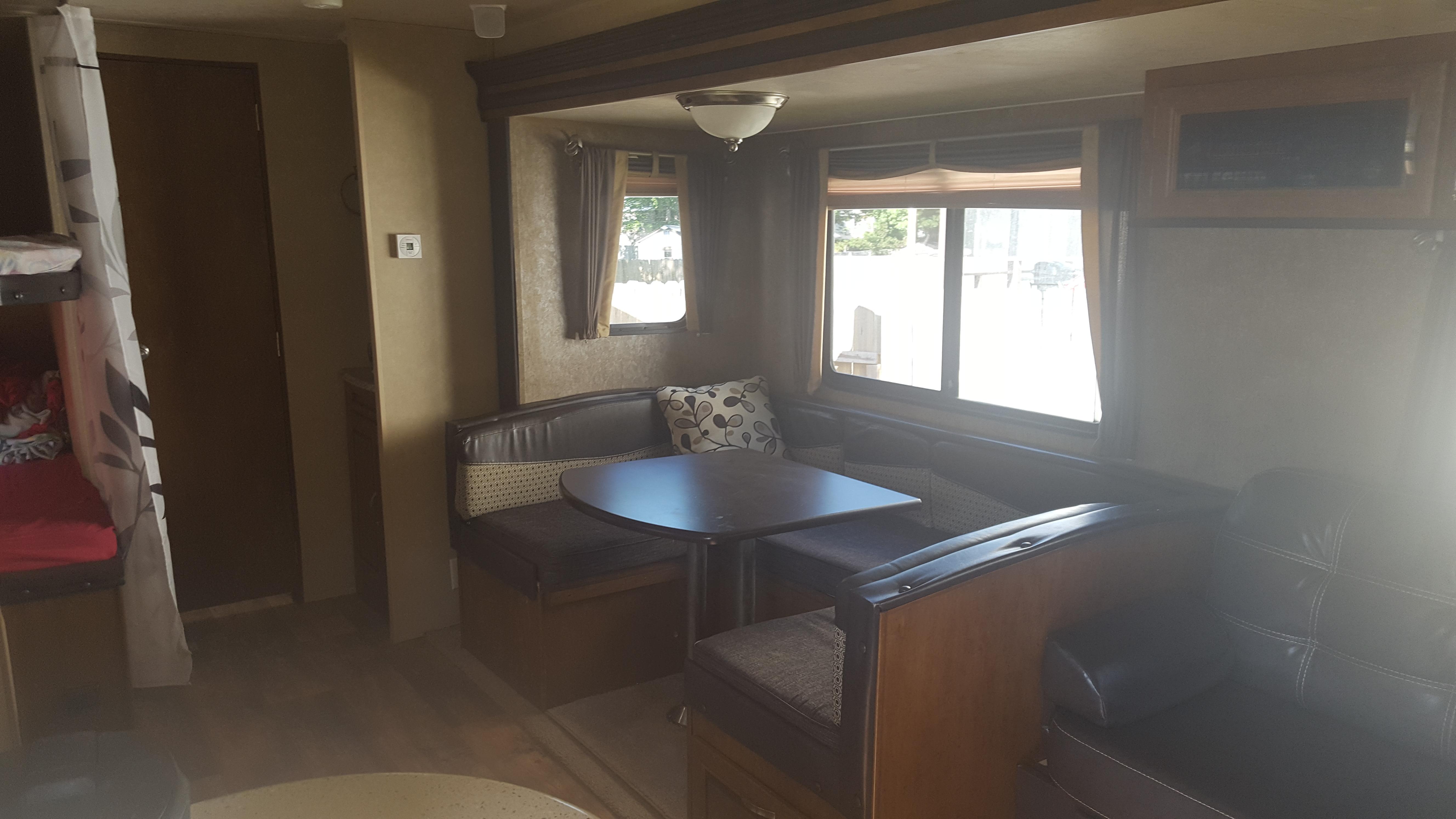 Table/bed. Forest River Salem 2016