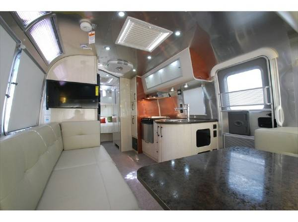 Luxe, comfort, memorable vacation!~. Airstream International Serenity 27FB 2016