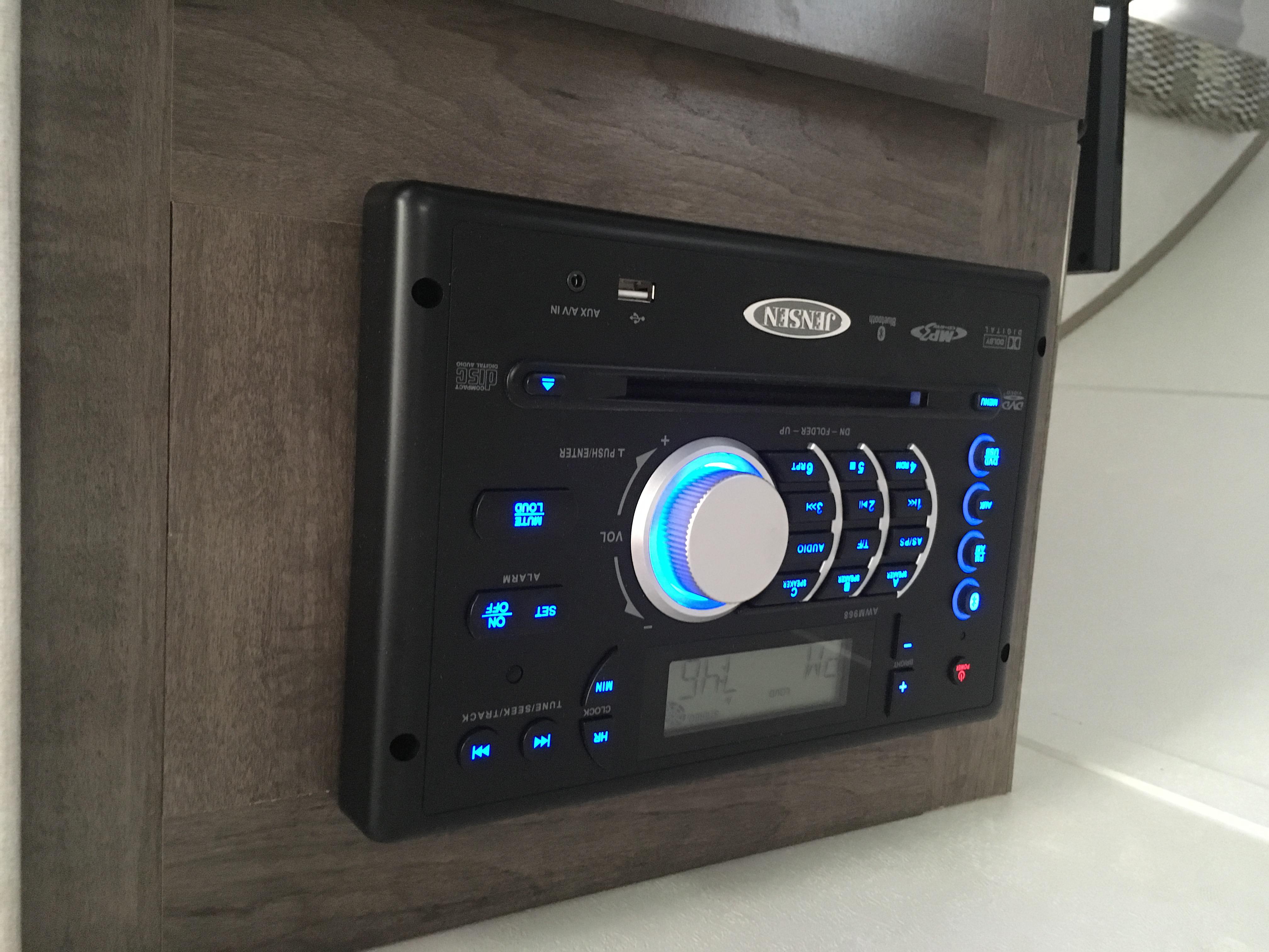 DVD/CD/Radio/USB/TV control panel.