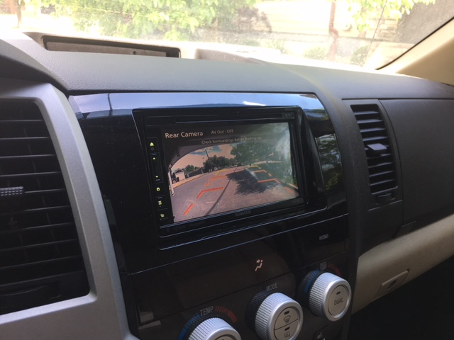 Back up camera with Apple Car Play