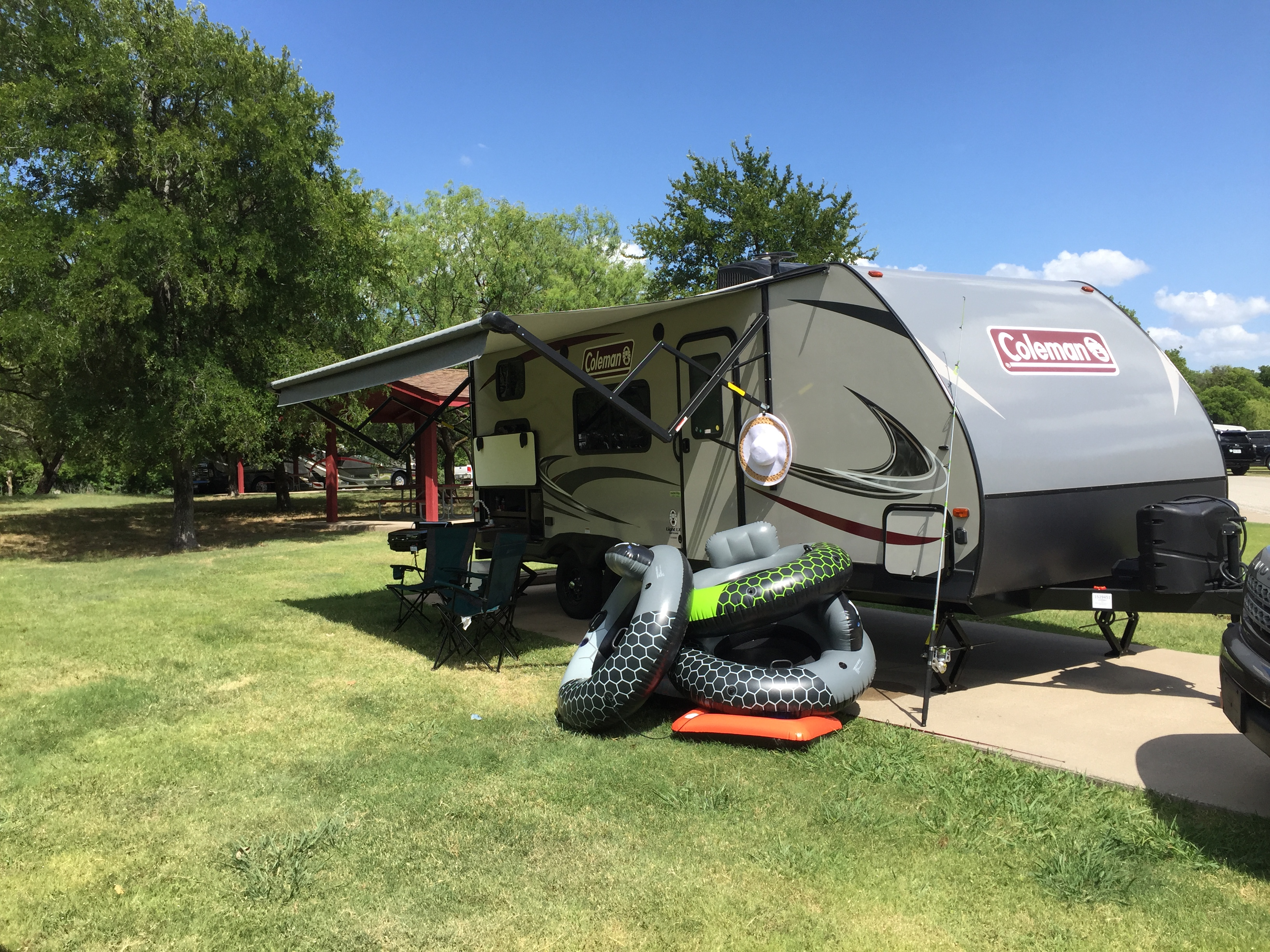 The 4 tubes and air machine come with the rental, free!  They are great to have when near a lake or river.. Dutchmen Coleman 2018