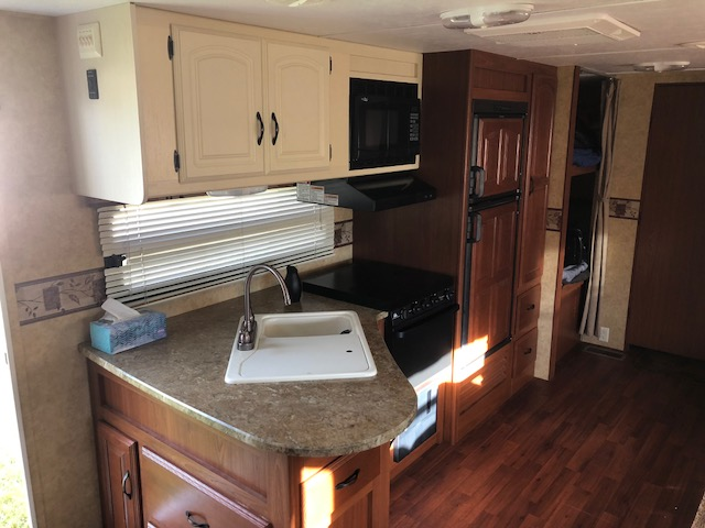 Sink, Microwave, Stove with Oven. Keystone Outback 2011