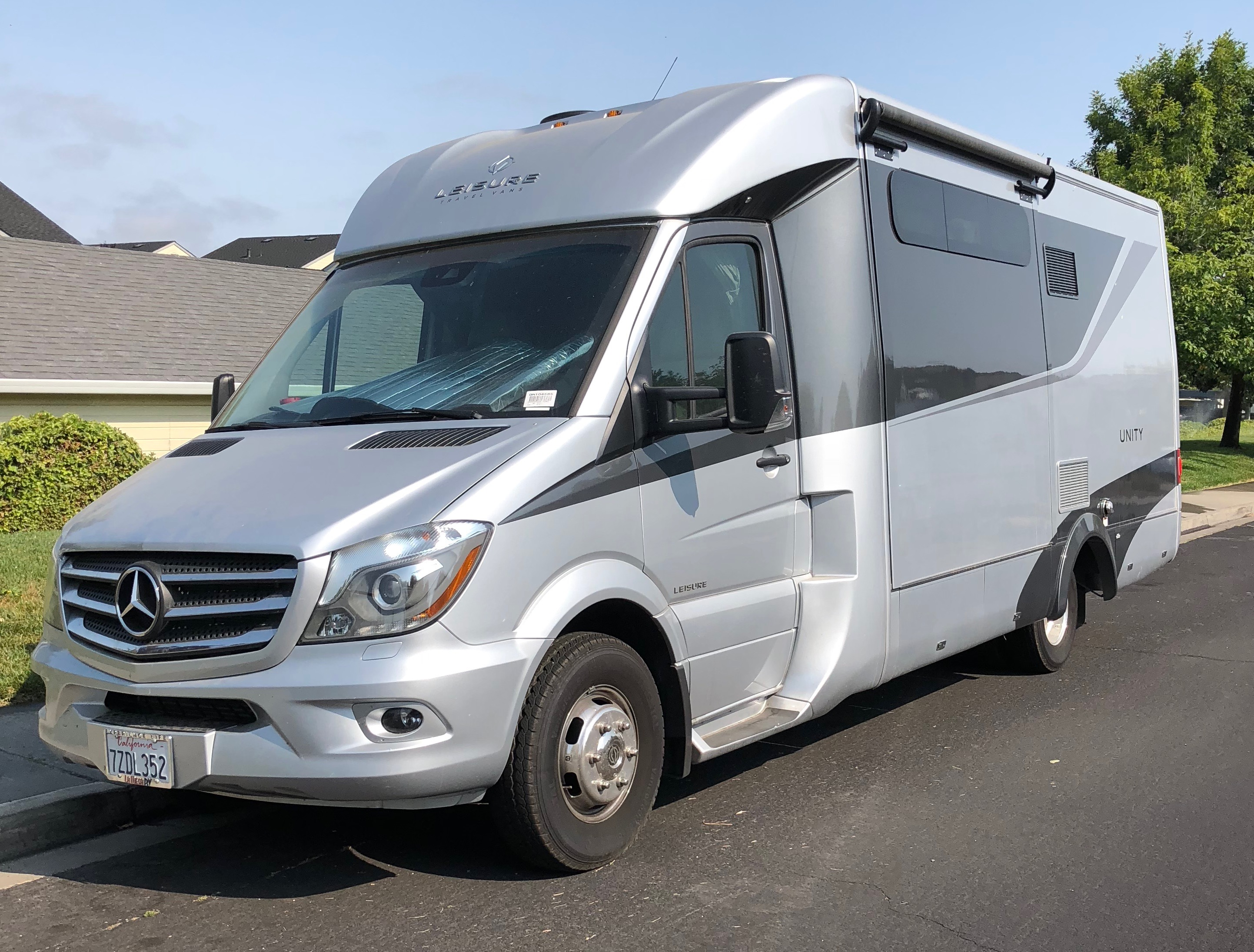 Leisure Travel Vans For Rent >> 2017 Leisure Travel Van The Unity