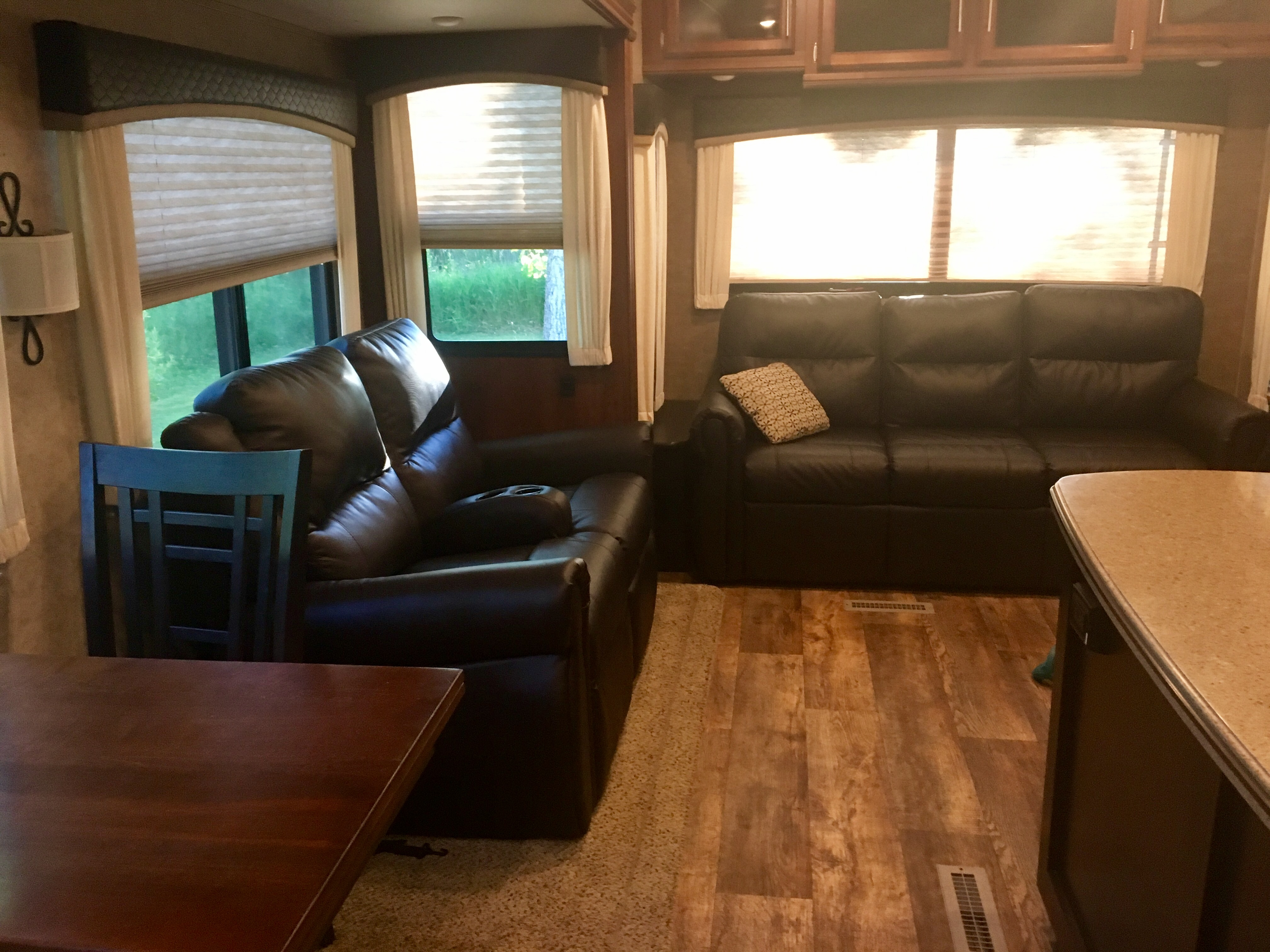 Couch is a tri fold queen bed. Four person dining table. . Jayco Eagle 321rsts 2016