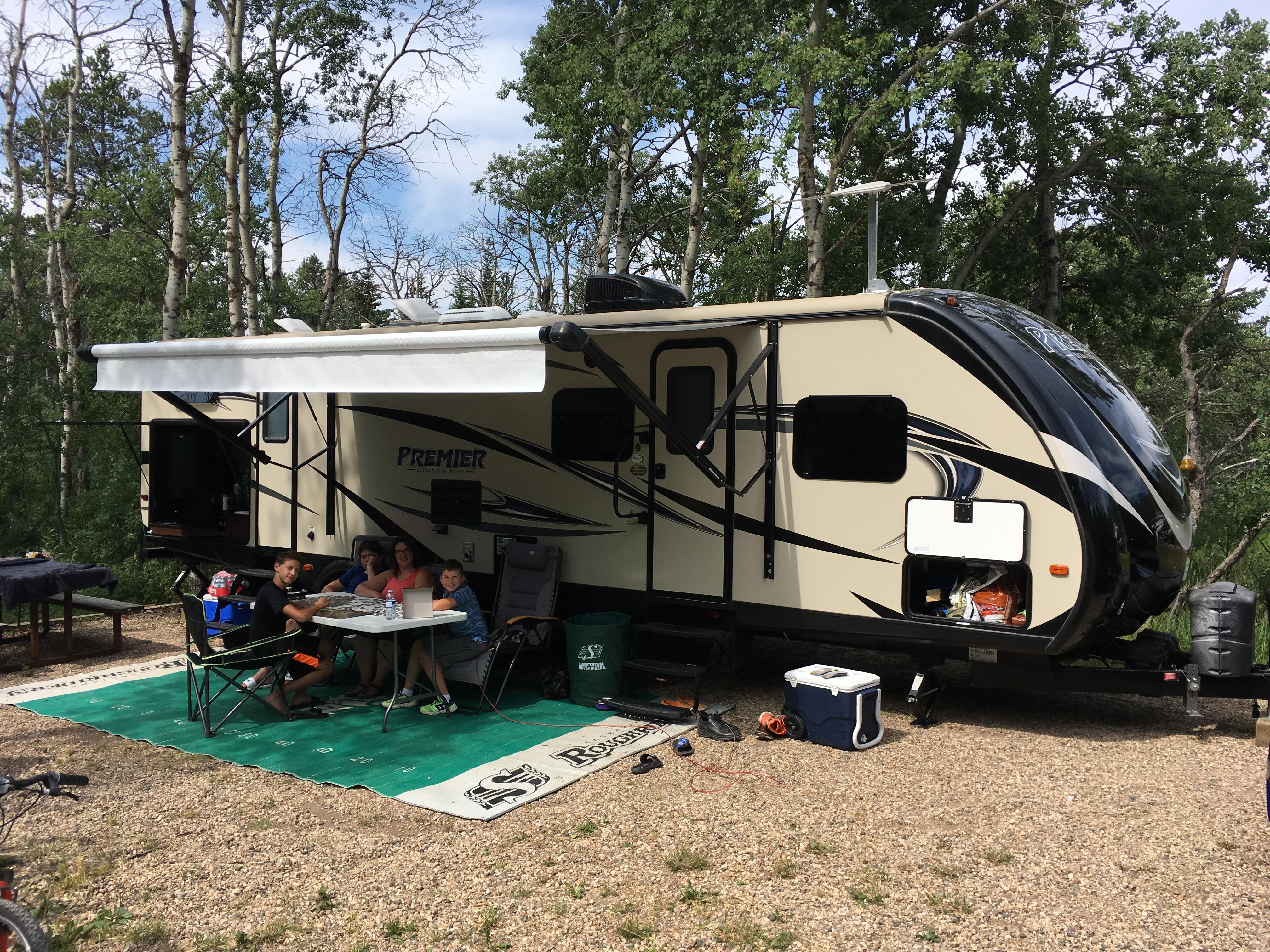 Camping in cypress hills 2017!. premier 31bhpr 2016