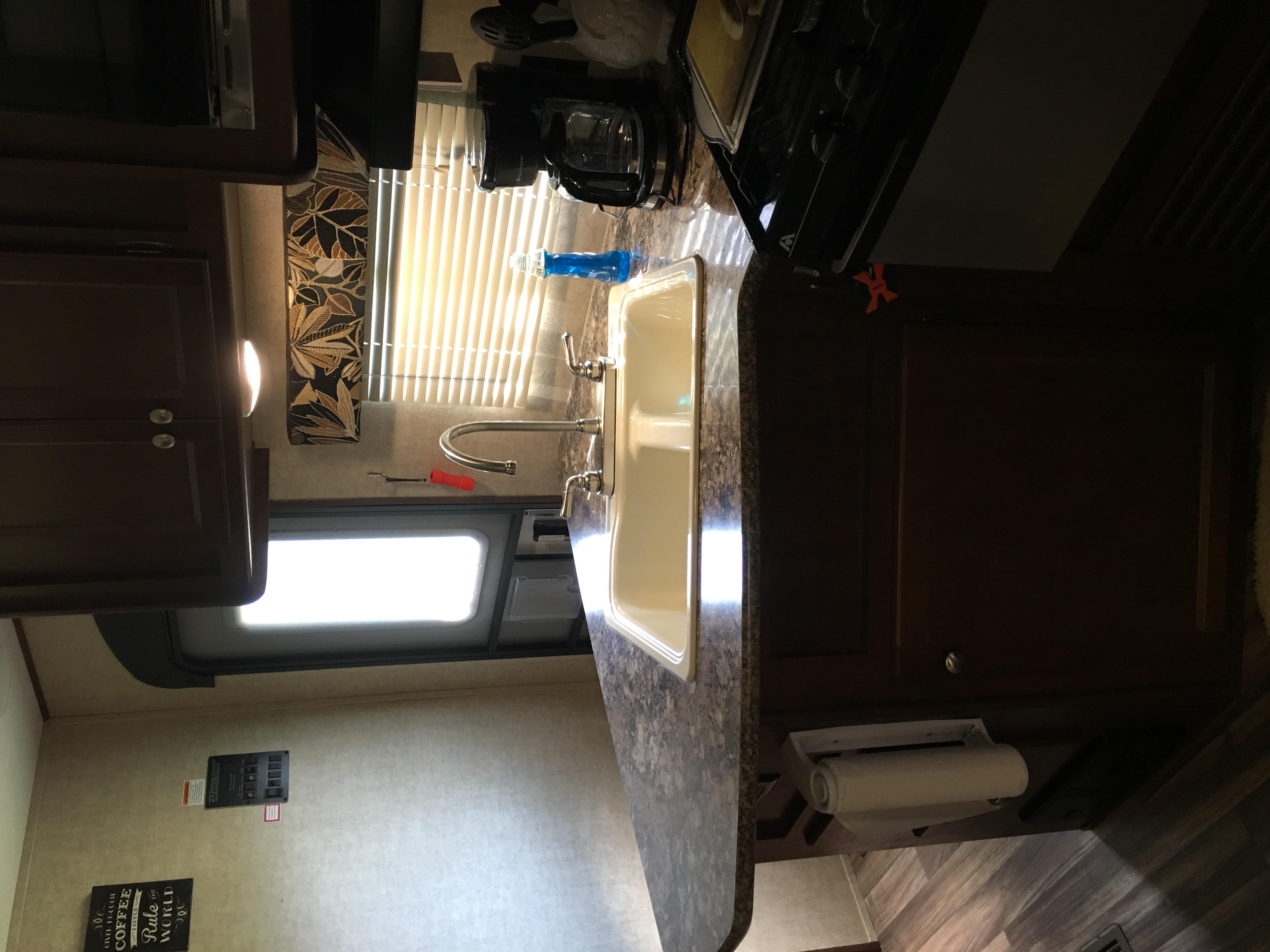 Spacious kitchen fully stocked . Keystone Hideout 2017