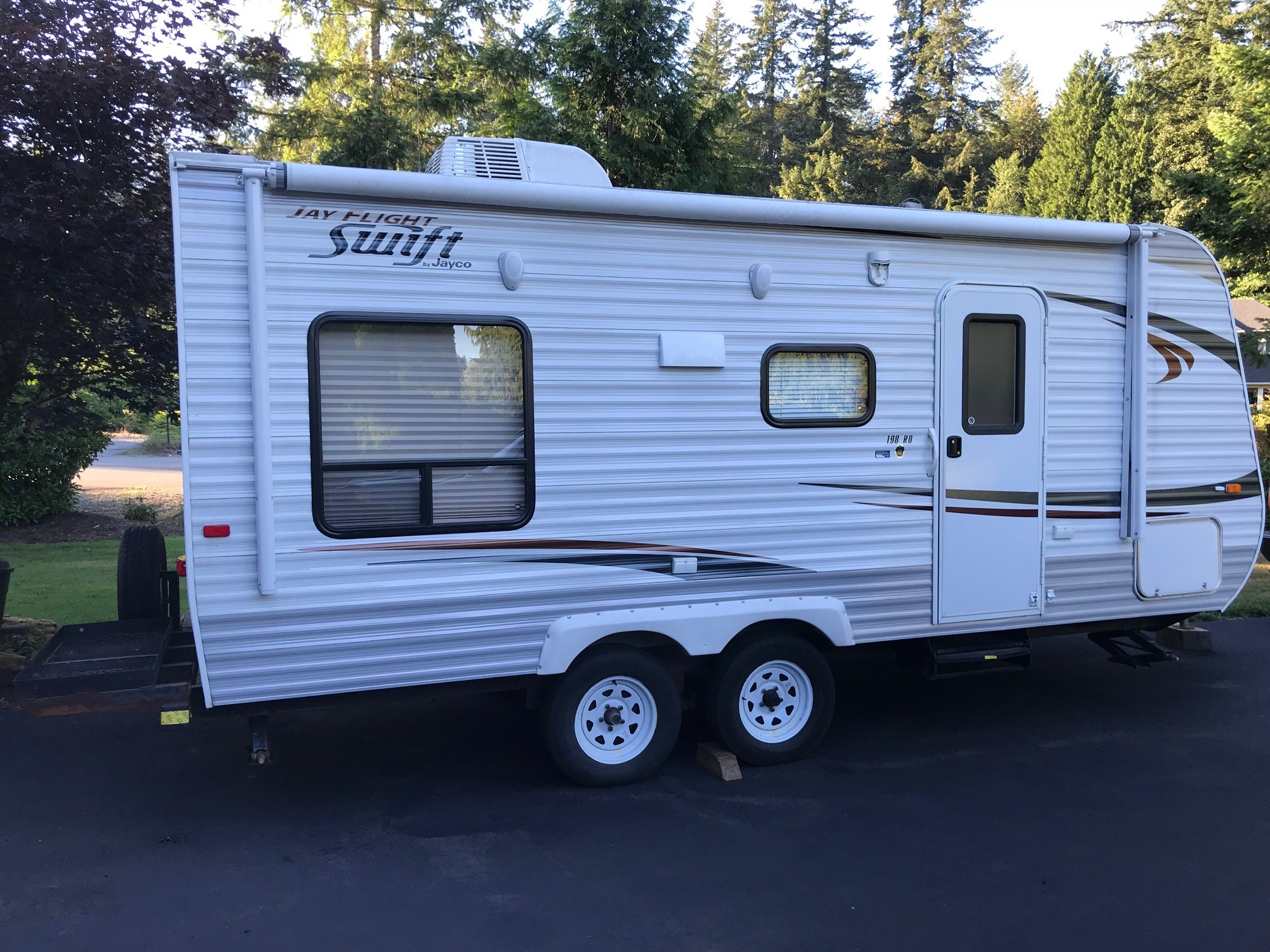 Included rack on back for bikes or extra gear. . Jayco Flight 2013