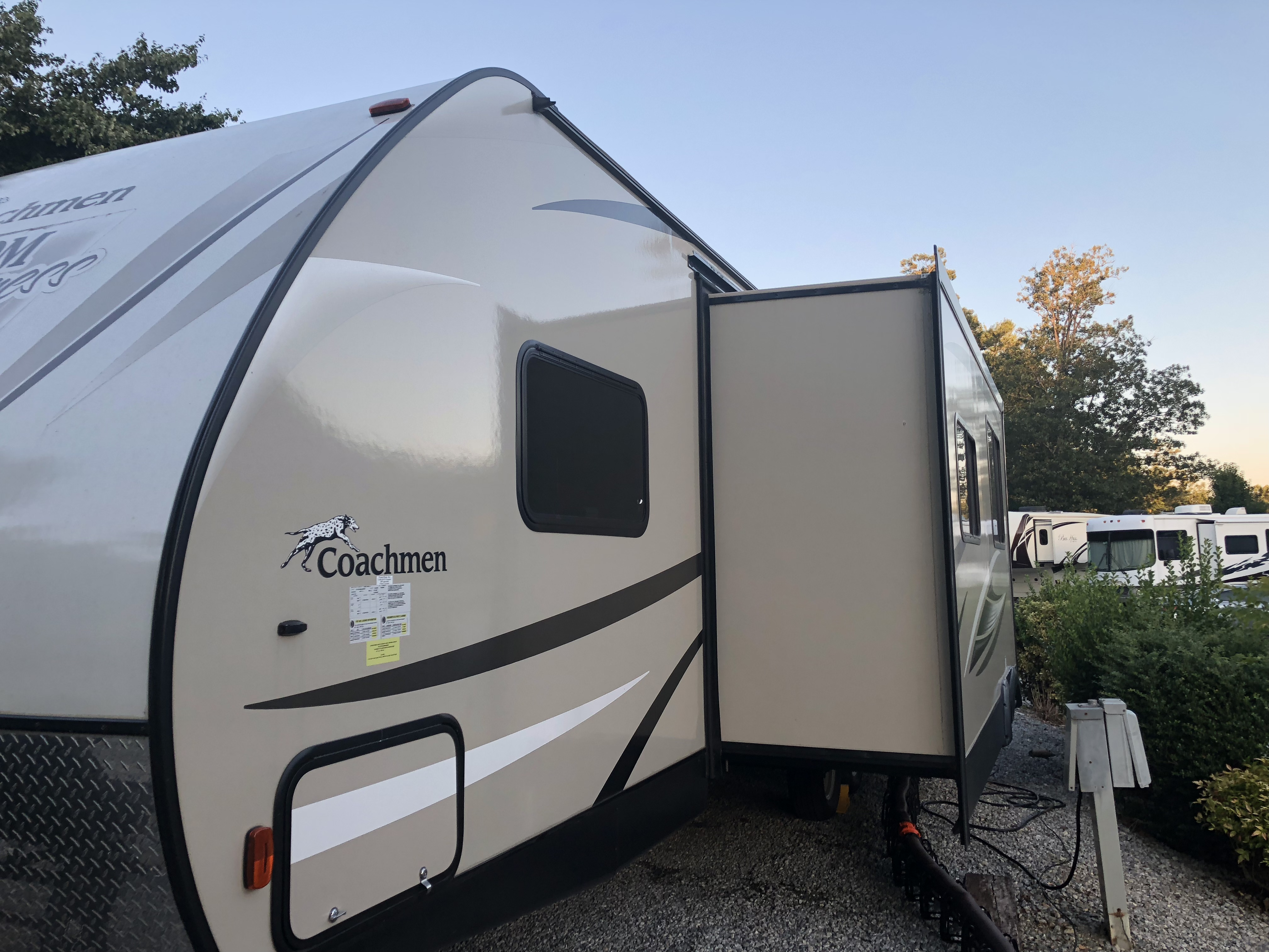 Drivers side master window . Coachmen Freedom Express 2017