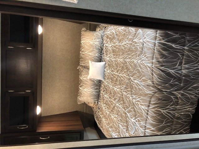 Queen bed room with plenty of room to move around. Jayco Jay Flight 2018