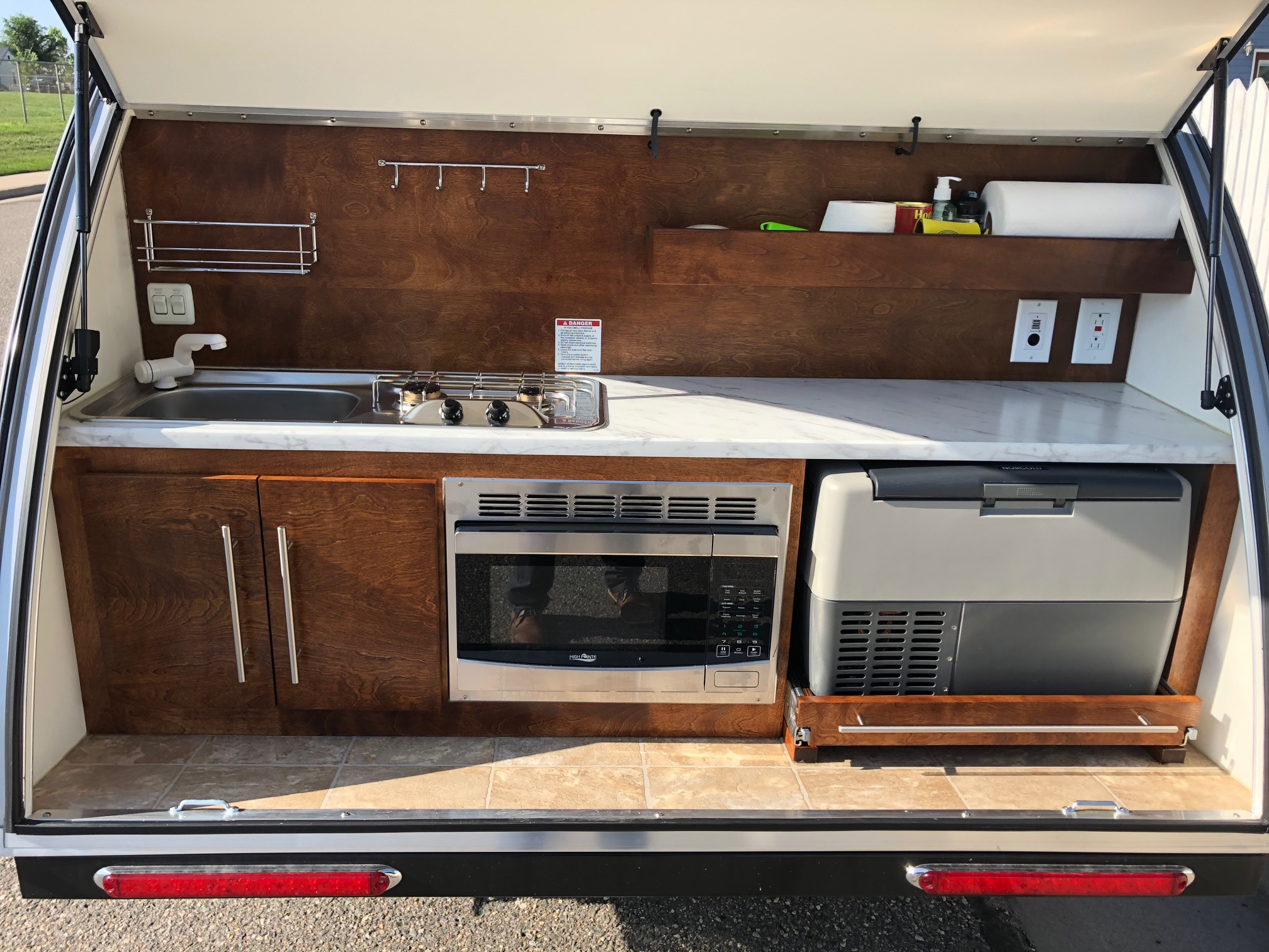 Sink, refrigerator and microwave