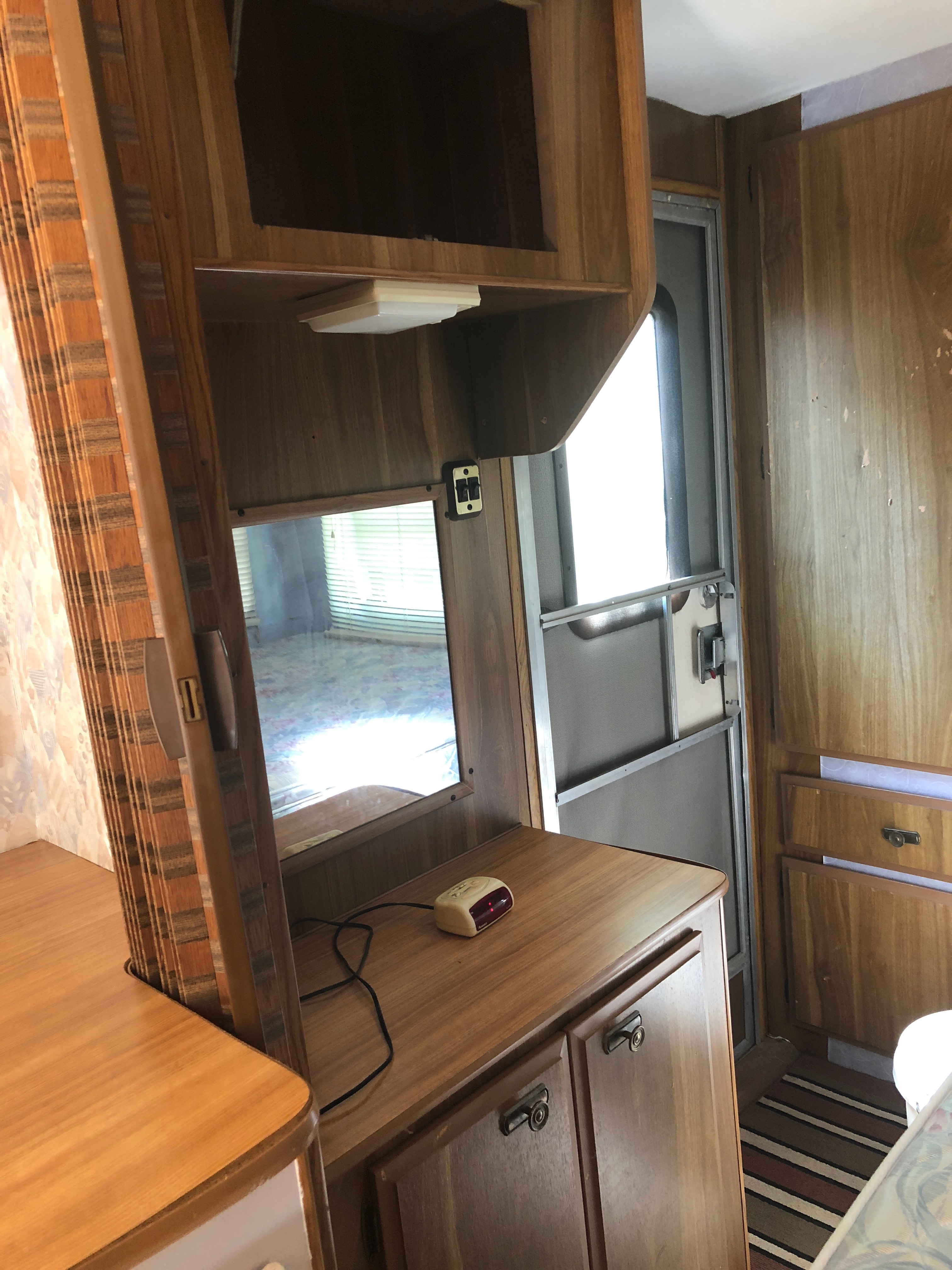 second camper door, opens into bedroom. Prowler FRWD 1986