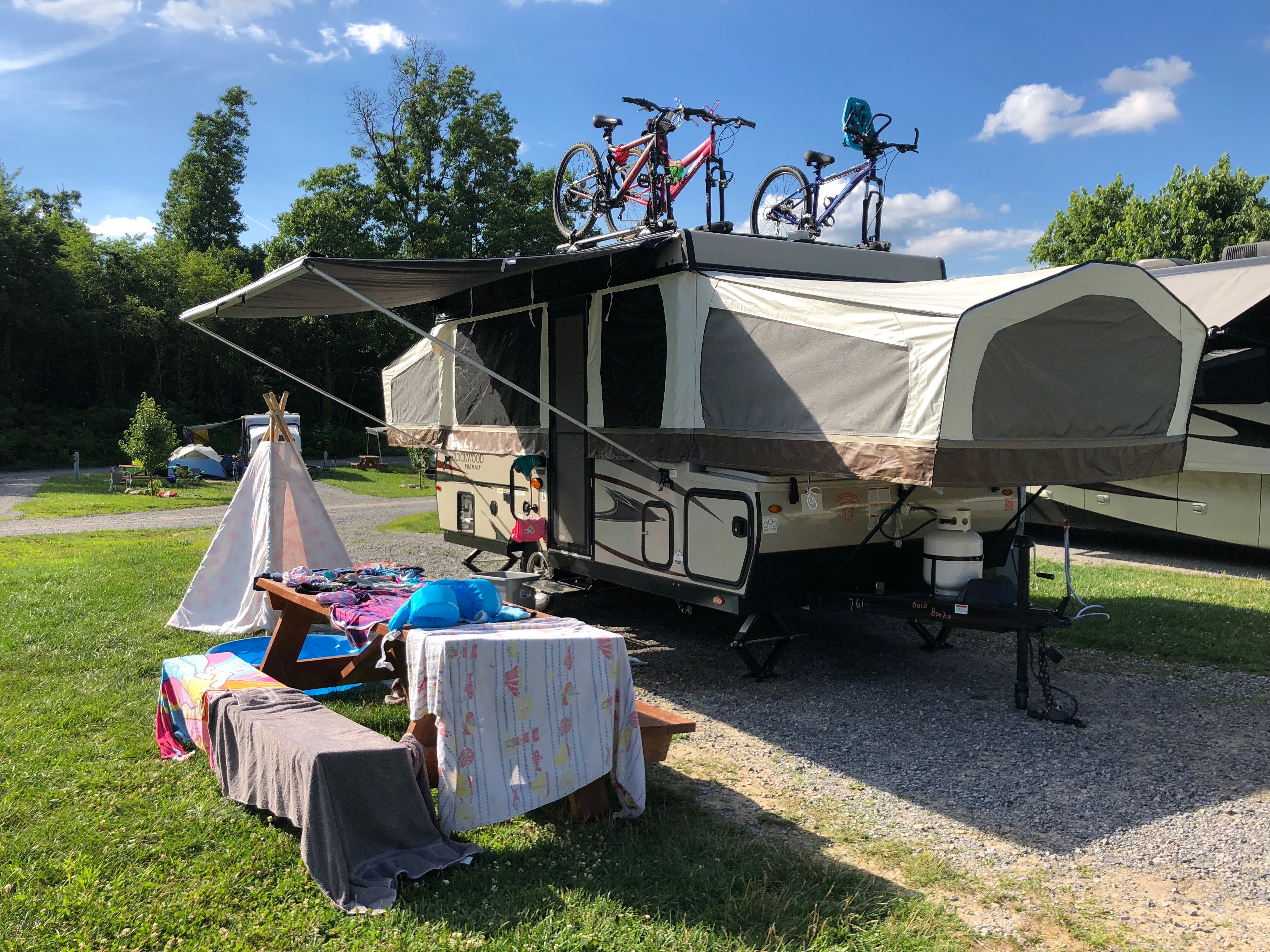 6 BEST Campgrounds & RV Parks in Sixmile Run, New