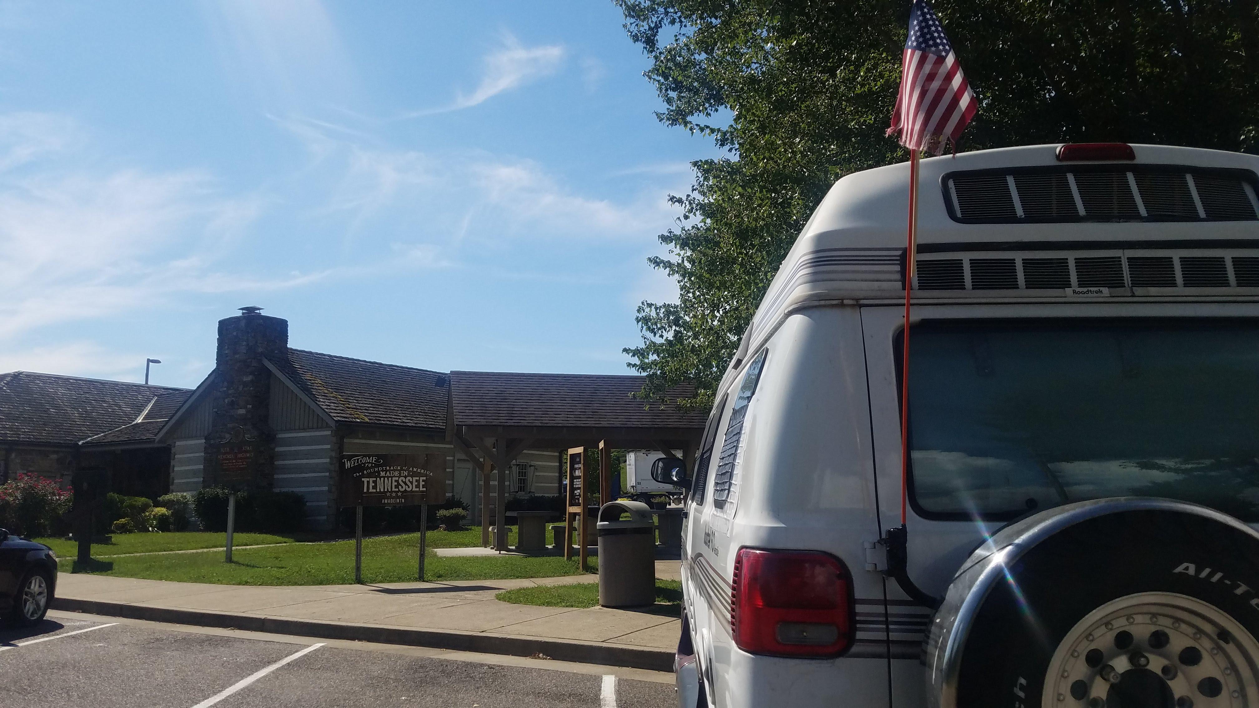 Tennessee . roadtrek 190 versatile 2001