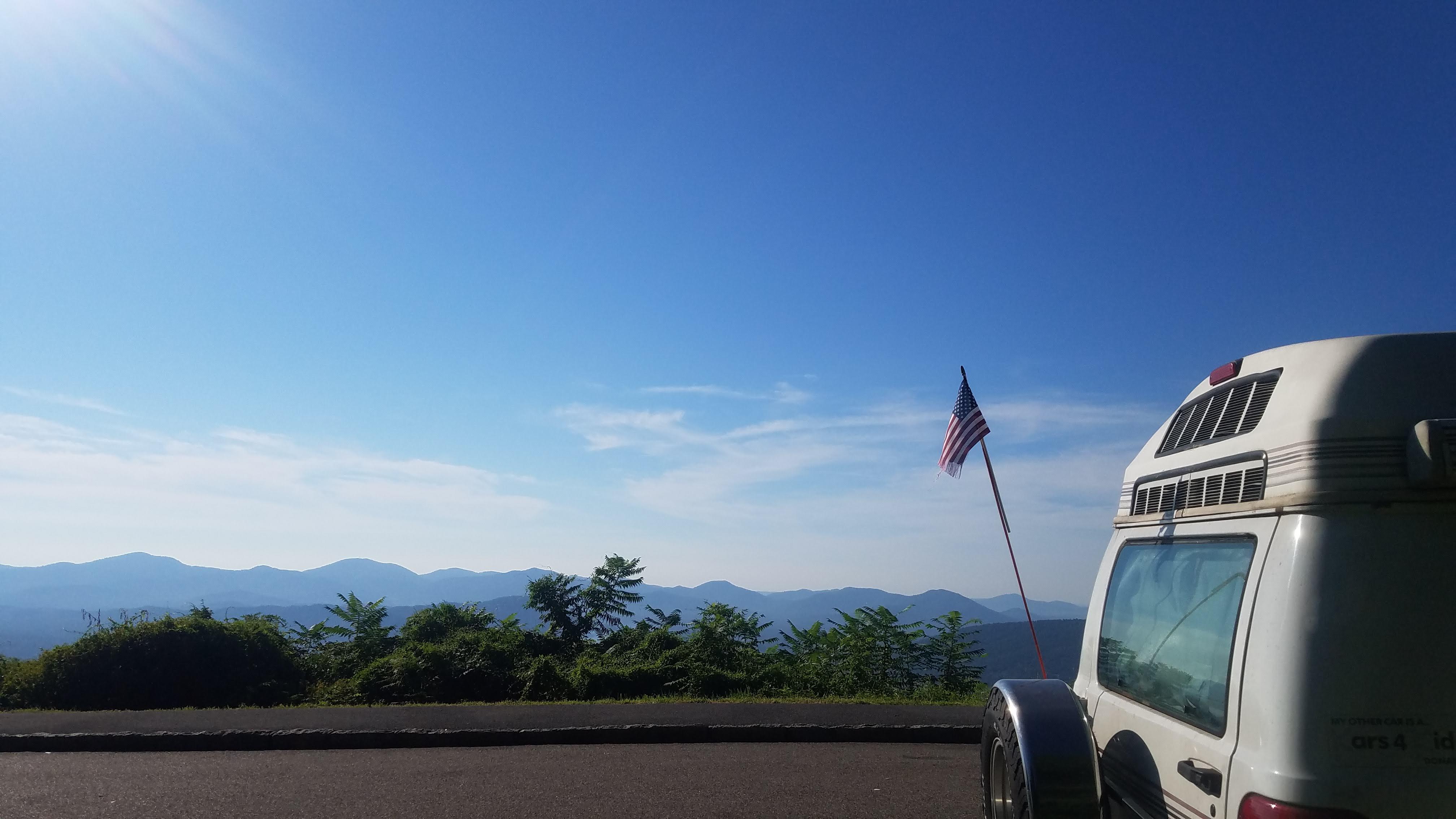 Blue ridge Mountain. roadtrek 190 versatile 2001