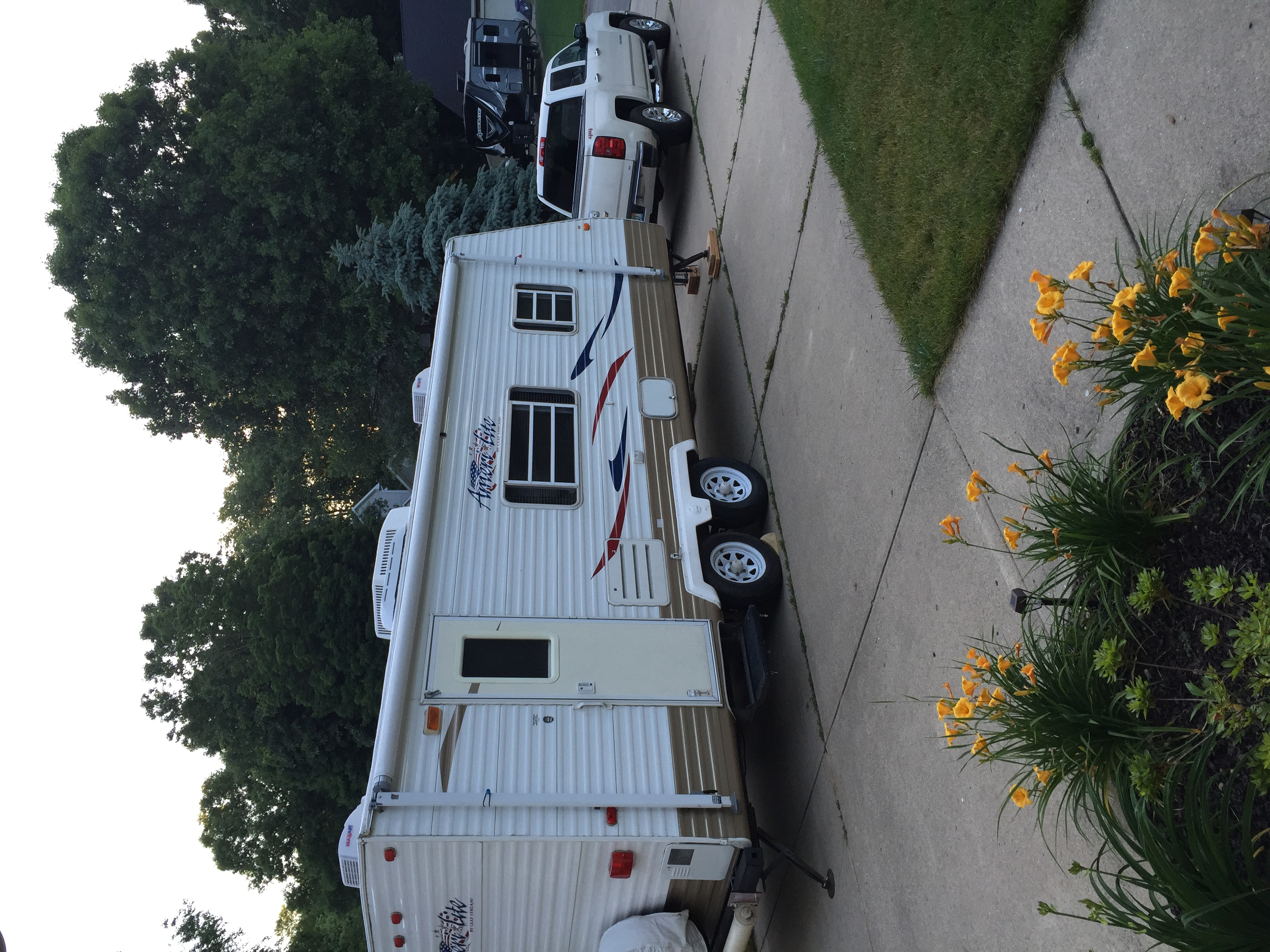Easily towed with includes stability hitch. . Gulf Stream Amerilite 2007