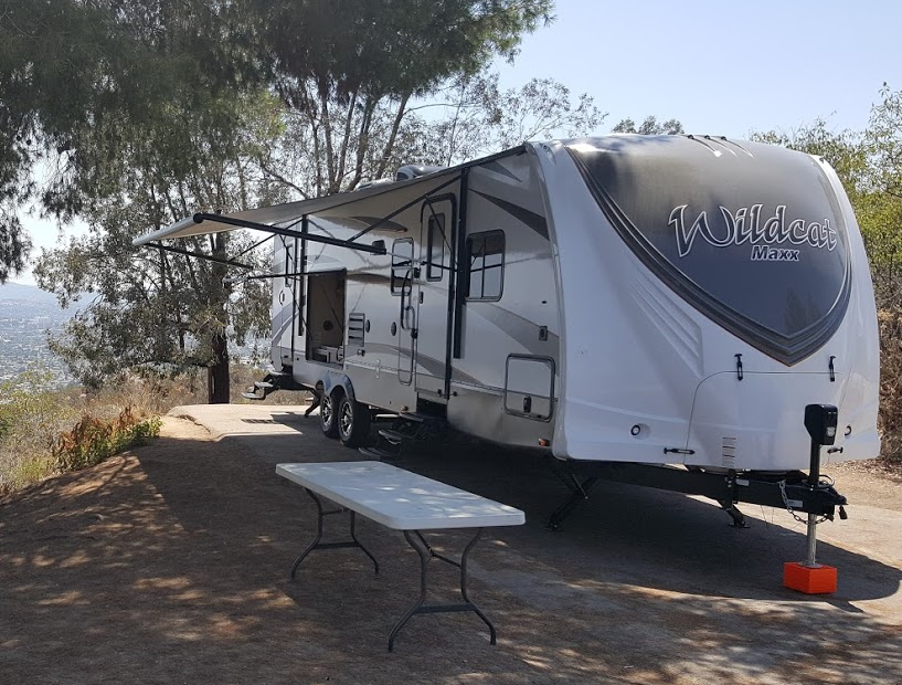 Sleek design with 18' Awning. . Forest River Wildcat 2016