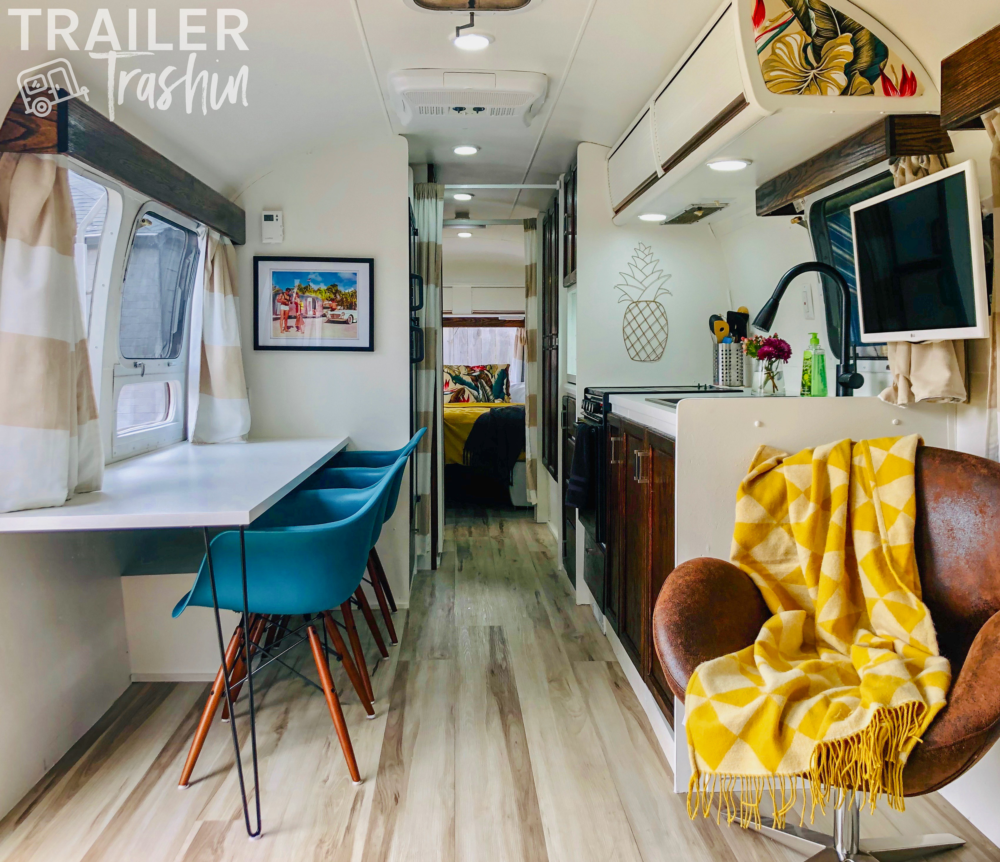 34' 1985 Airstream renovated for an awesome glamping experience. . Airstream Sovereign 1985
