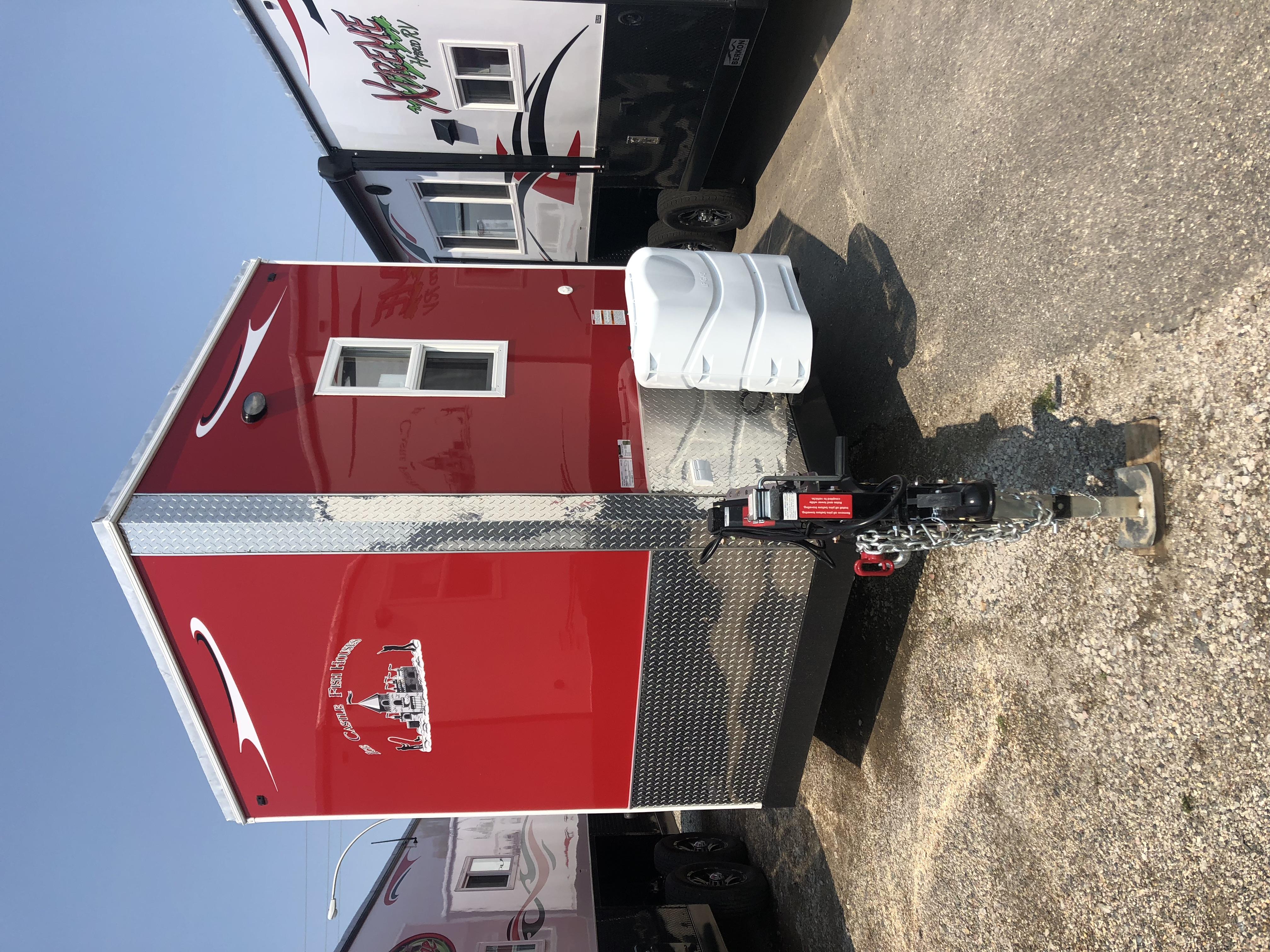 Ice Castle Fish Houses walleye stryker 2019